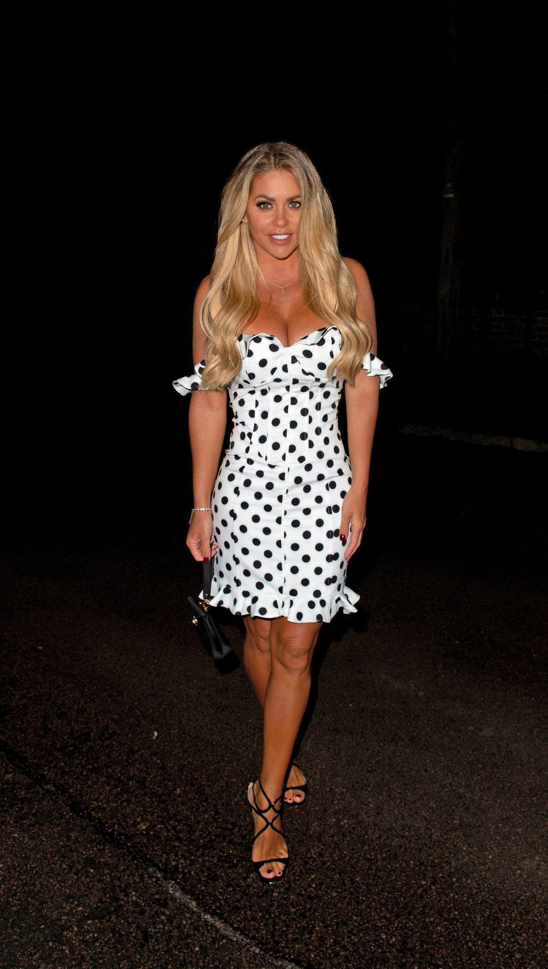 Bianca Gascoigne – Hot Boobs In Sexy Cleavagy Dress Out In Kent 0009