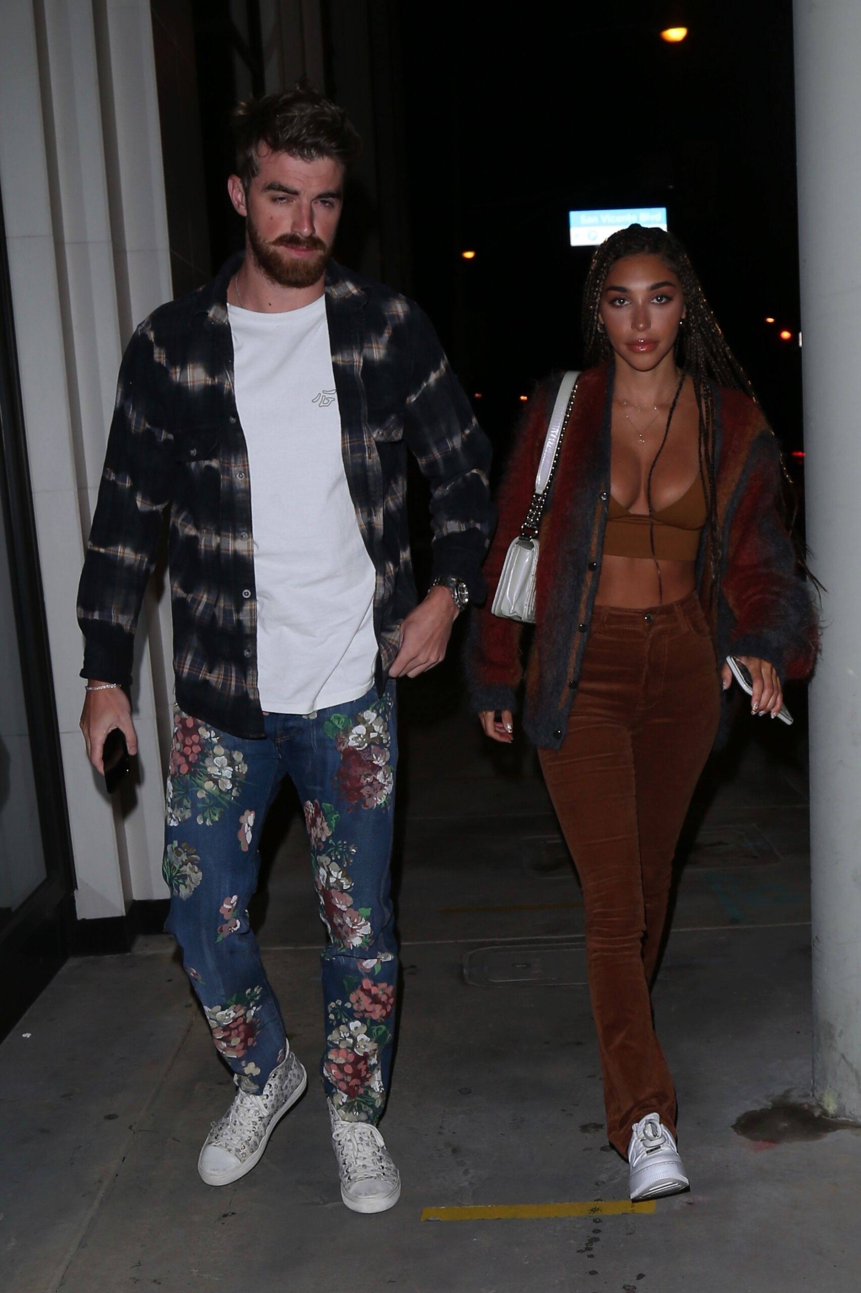 Chantel Jeffries – Sexy Boobs In Big Cleavage At Catch Restaurant In West Hollywood 0002