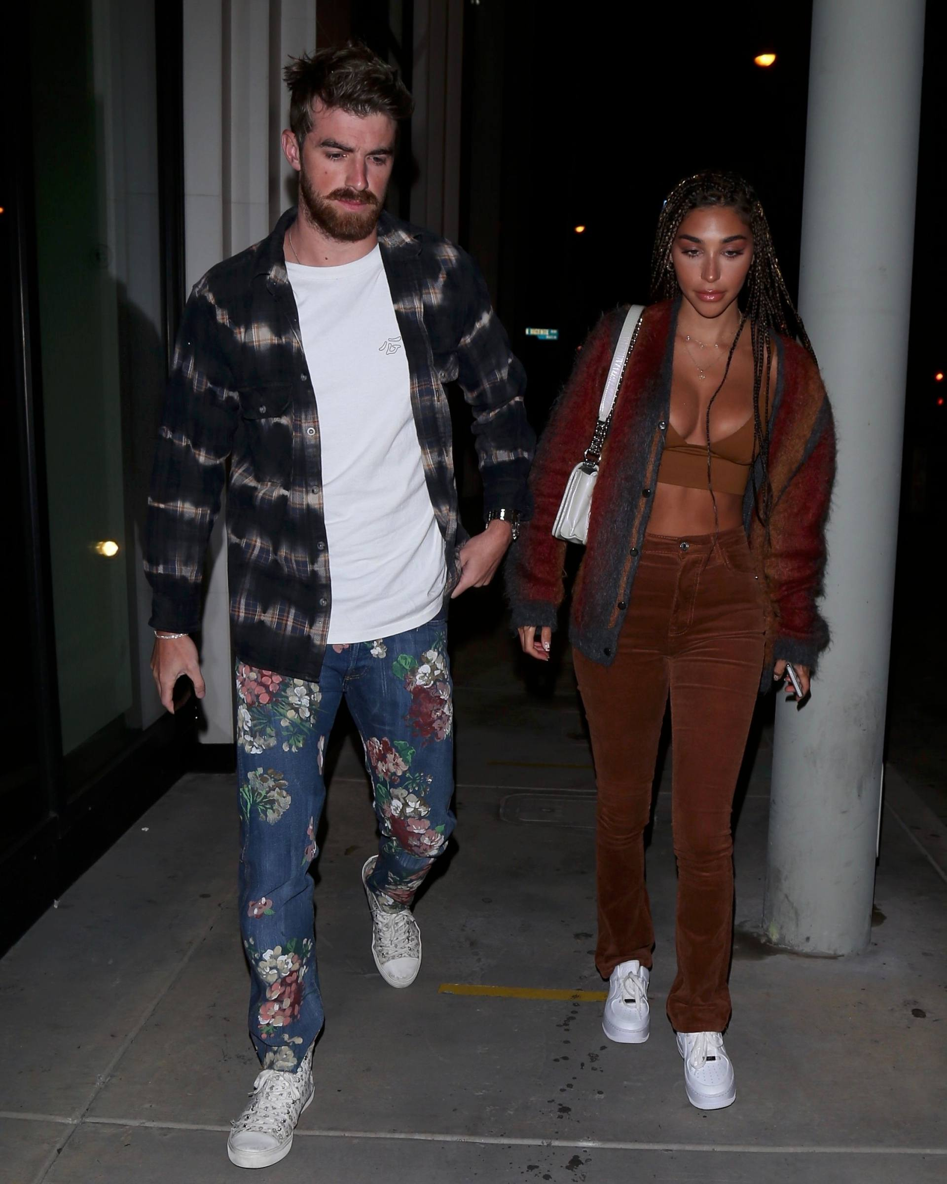 Chantel Jeffries – Sexy Boobs In Big Cleavage At Catch Restaurant In West Hollywood 0004
