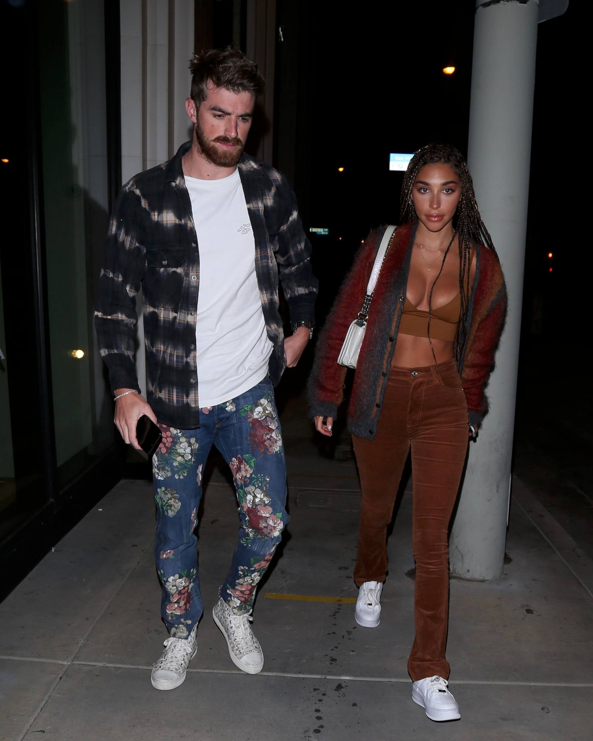 Chantel Jeffries – Sexy Boobs In Big Cleavage At Catch Restaurant In West Hollywood 0005