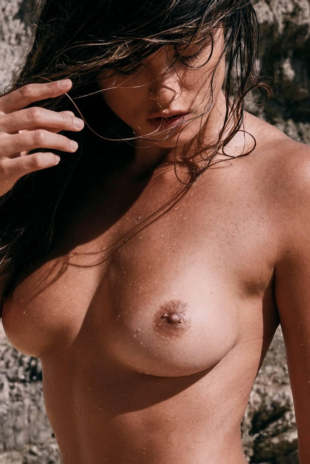 Cherokee Luker – Sexy Boobs In Beautiful Topless Photoshoot By Josh Ryan (nsfw) 0008
