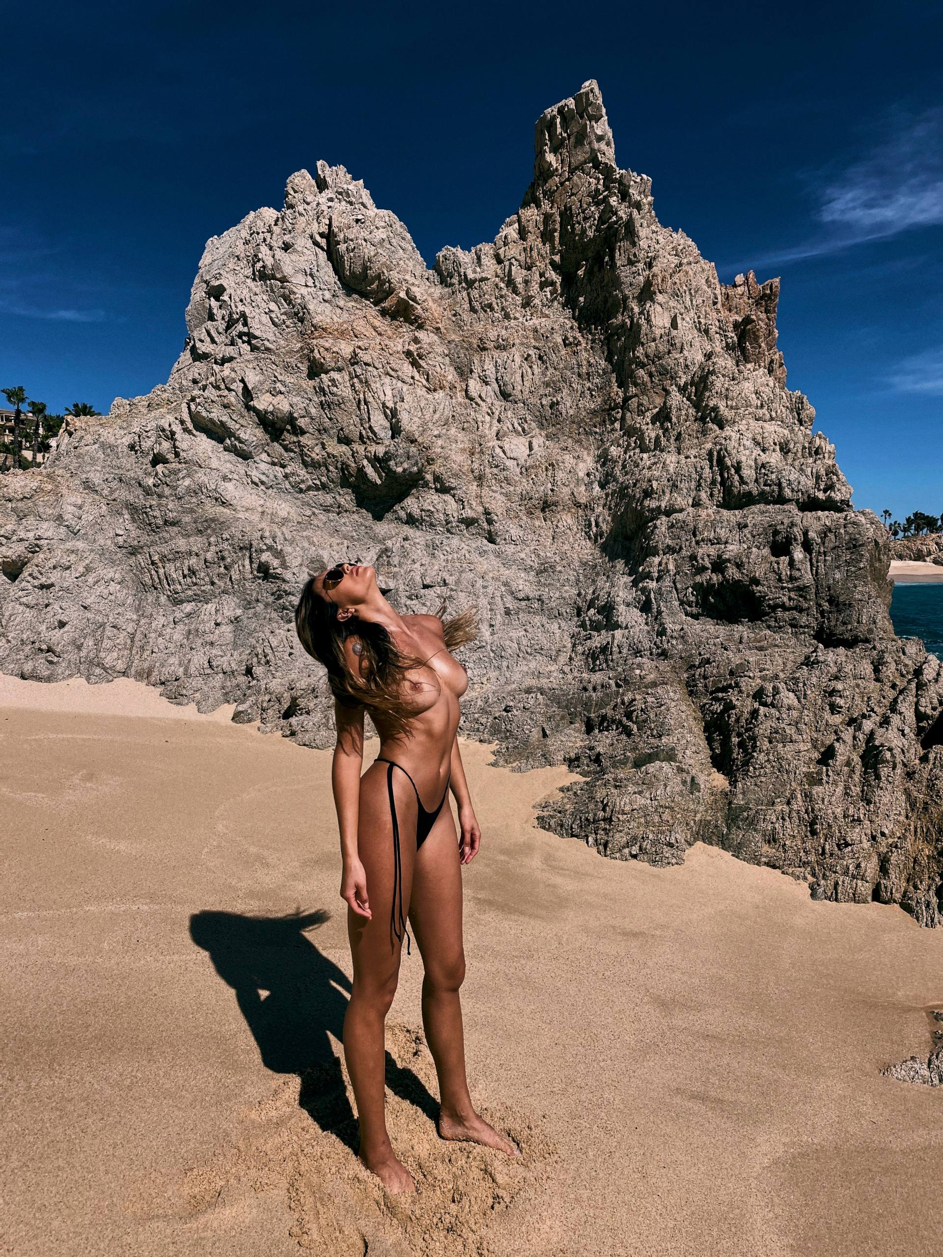Cherokee Luker – Sexy Boobs In Beautiful Topless Photoshoot By Josh Ryan (nsfw) 0012
