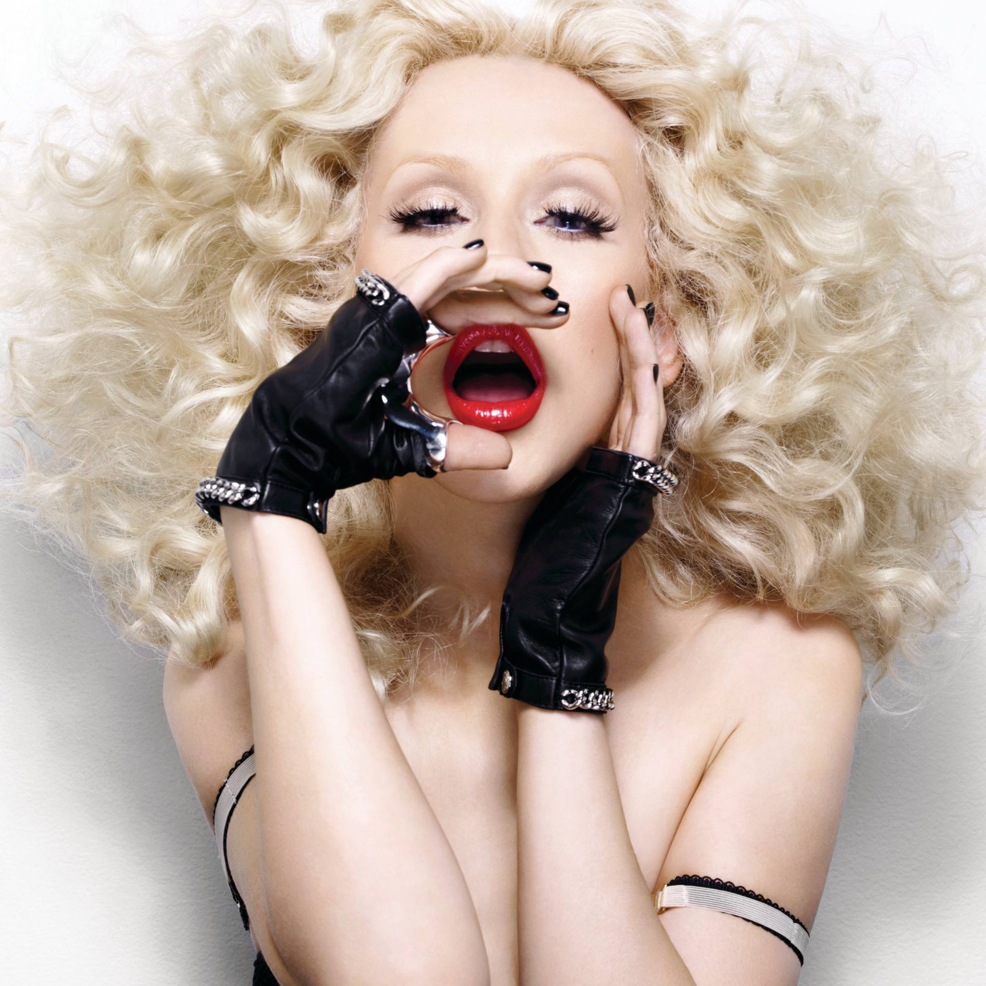 Christina Aguilera – Sexy Boobs In Naked Photoshoot Outtakes From Bionic Album Photoshoot 0011