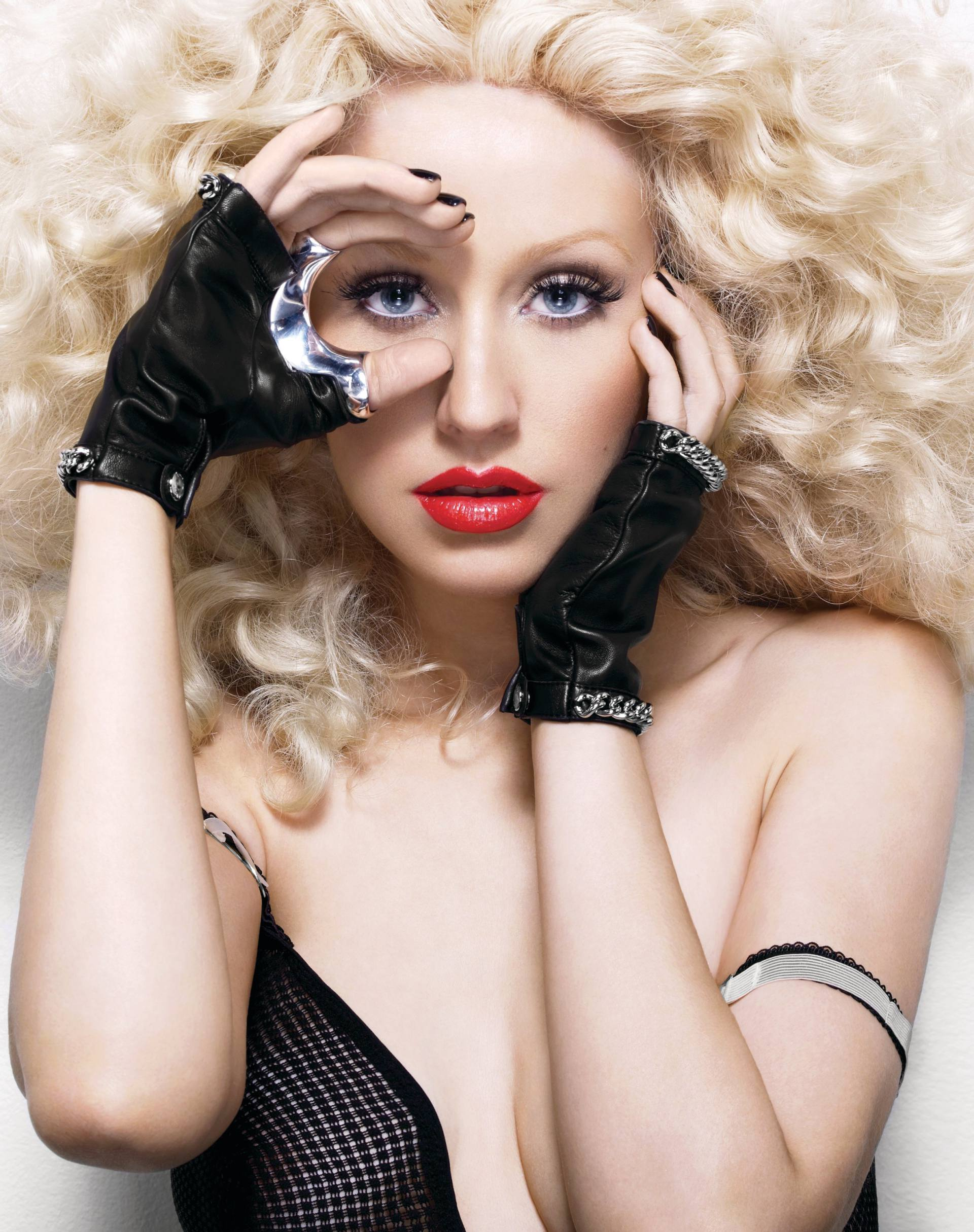 Christina Aguilera – Sexy Boobs In Naked Photoshoot Outtakes From Bionic Album Photoshoot 0013