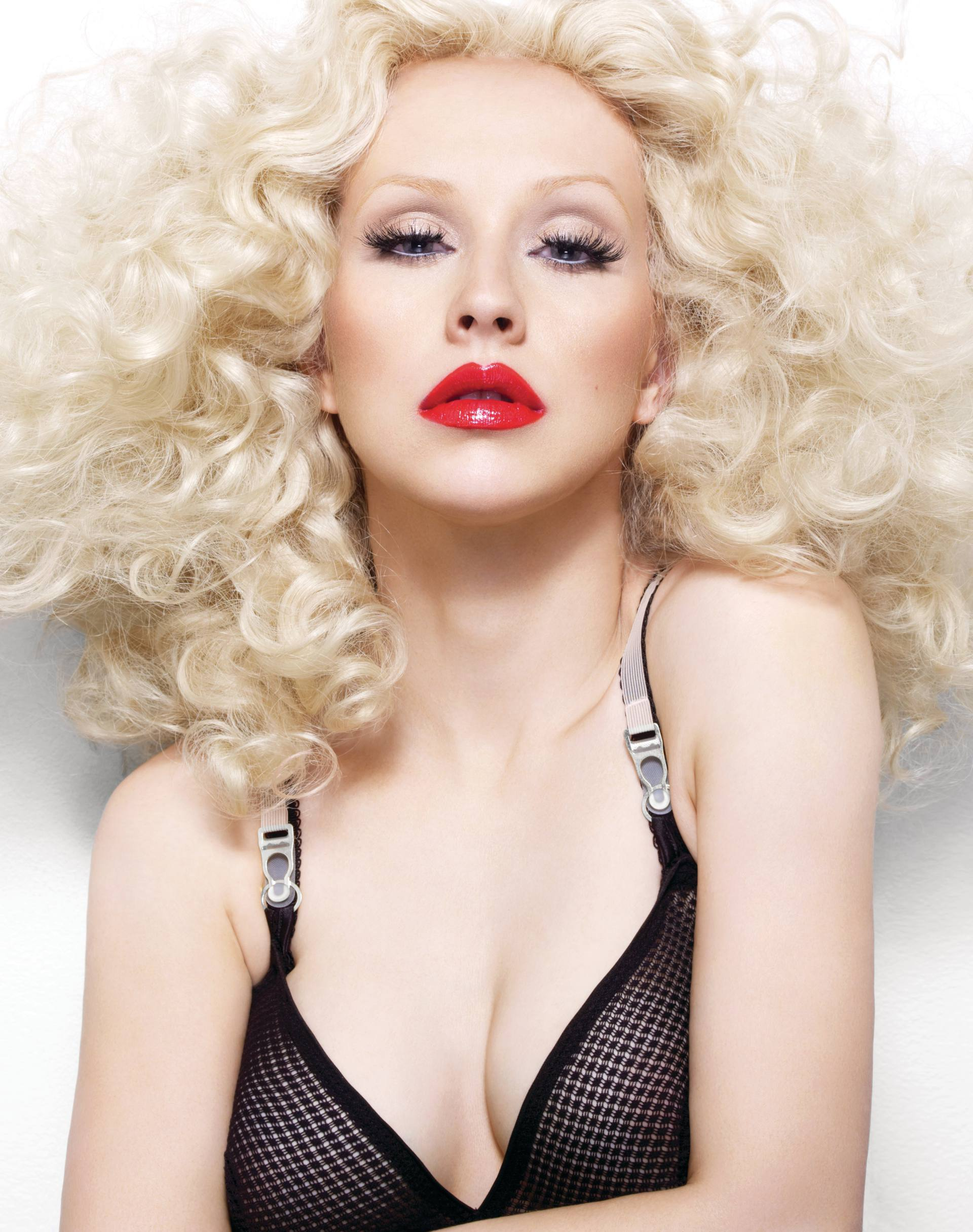 Christina Aguilera – Sexy Boobs In Naked Photoshoot Outtakes From Bionic Album Photoshoot 0014