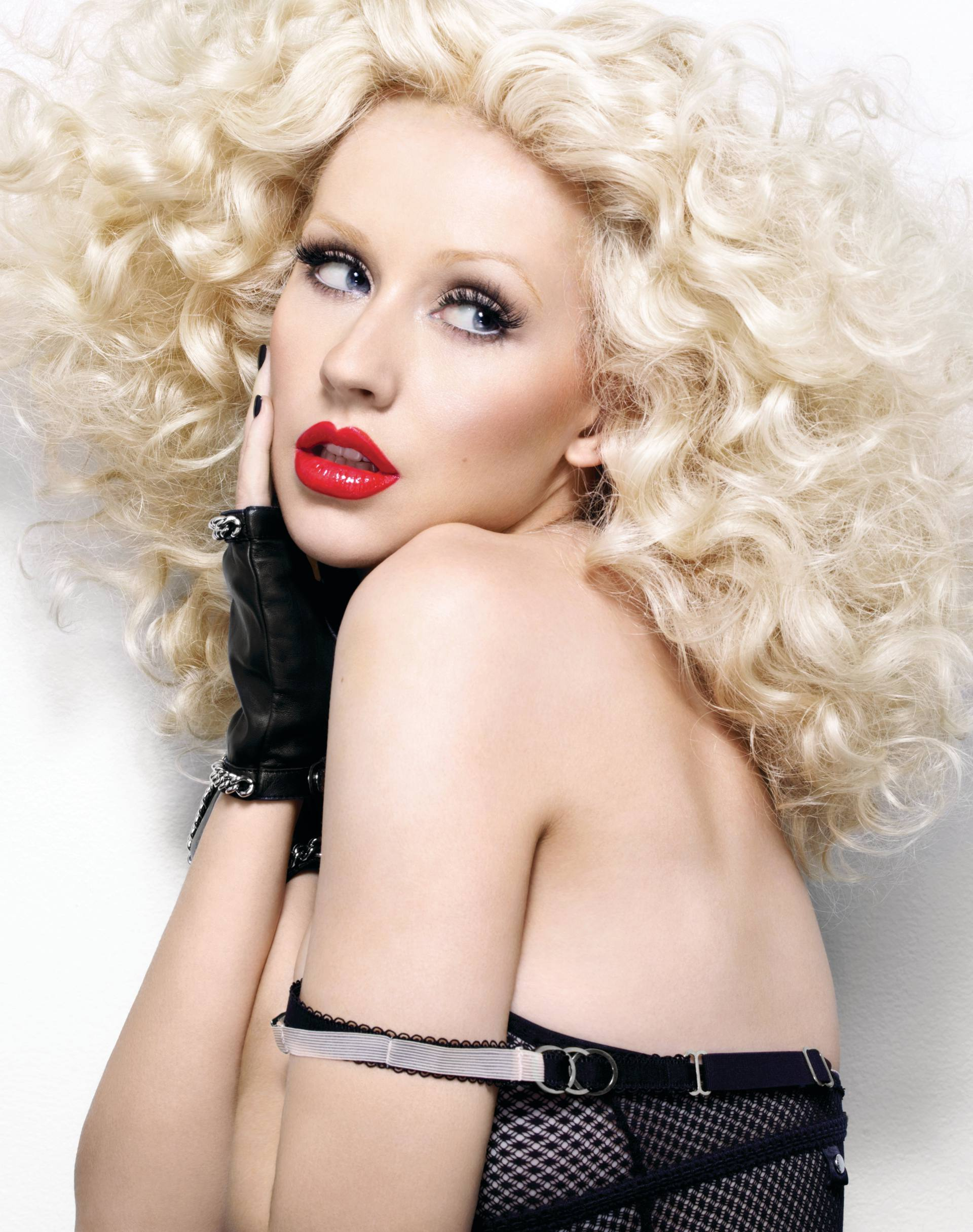 Christina Aguilera – Sexy Boobs In Naked Photoshoot Outtakes From Bionic Album Photoshoot 0016