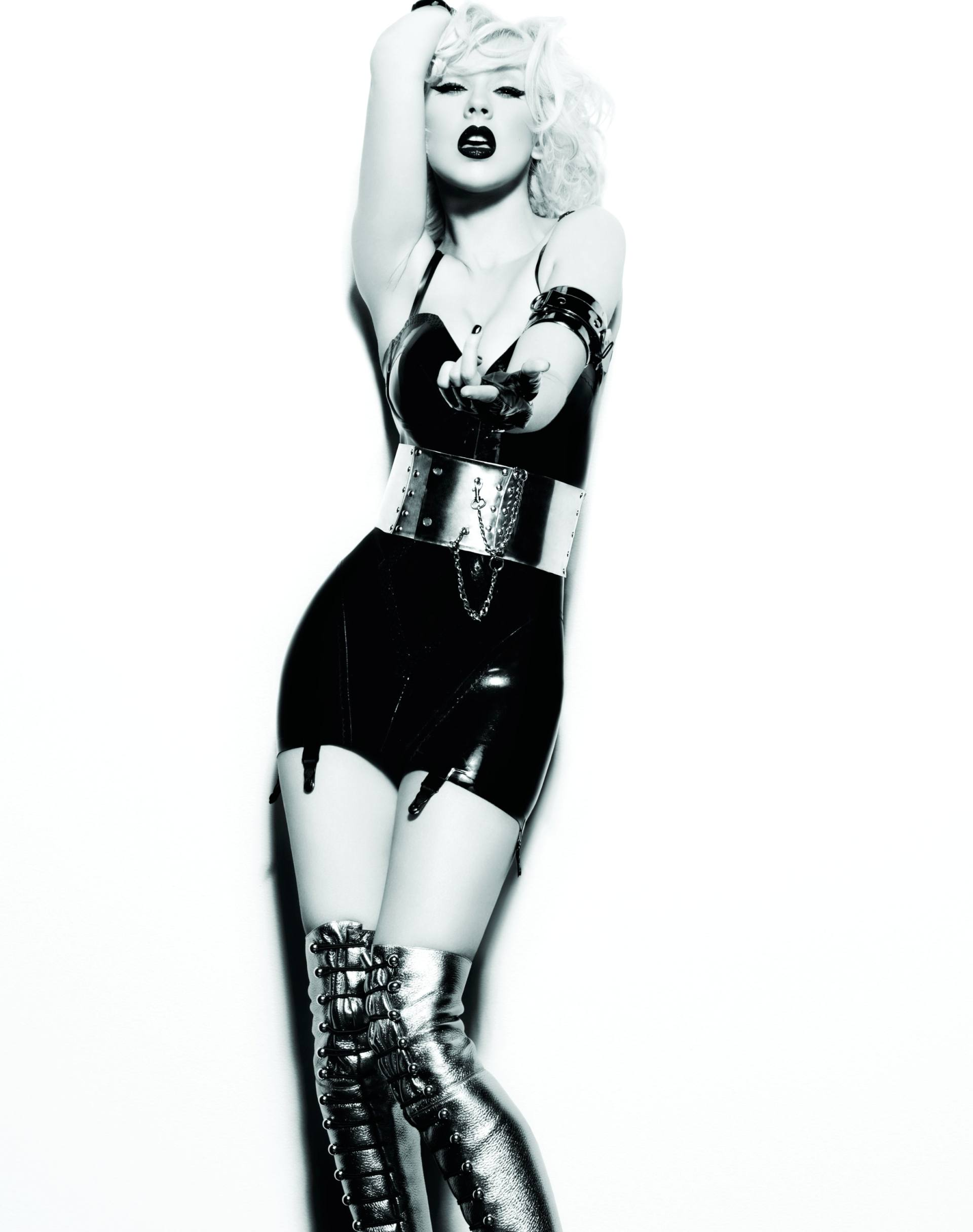 Christina Aguilera – Sexy Boobs In Naked Photoshoot Outtakes From Bionic Album Photoshoot 0021