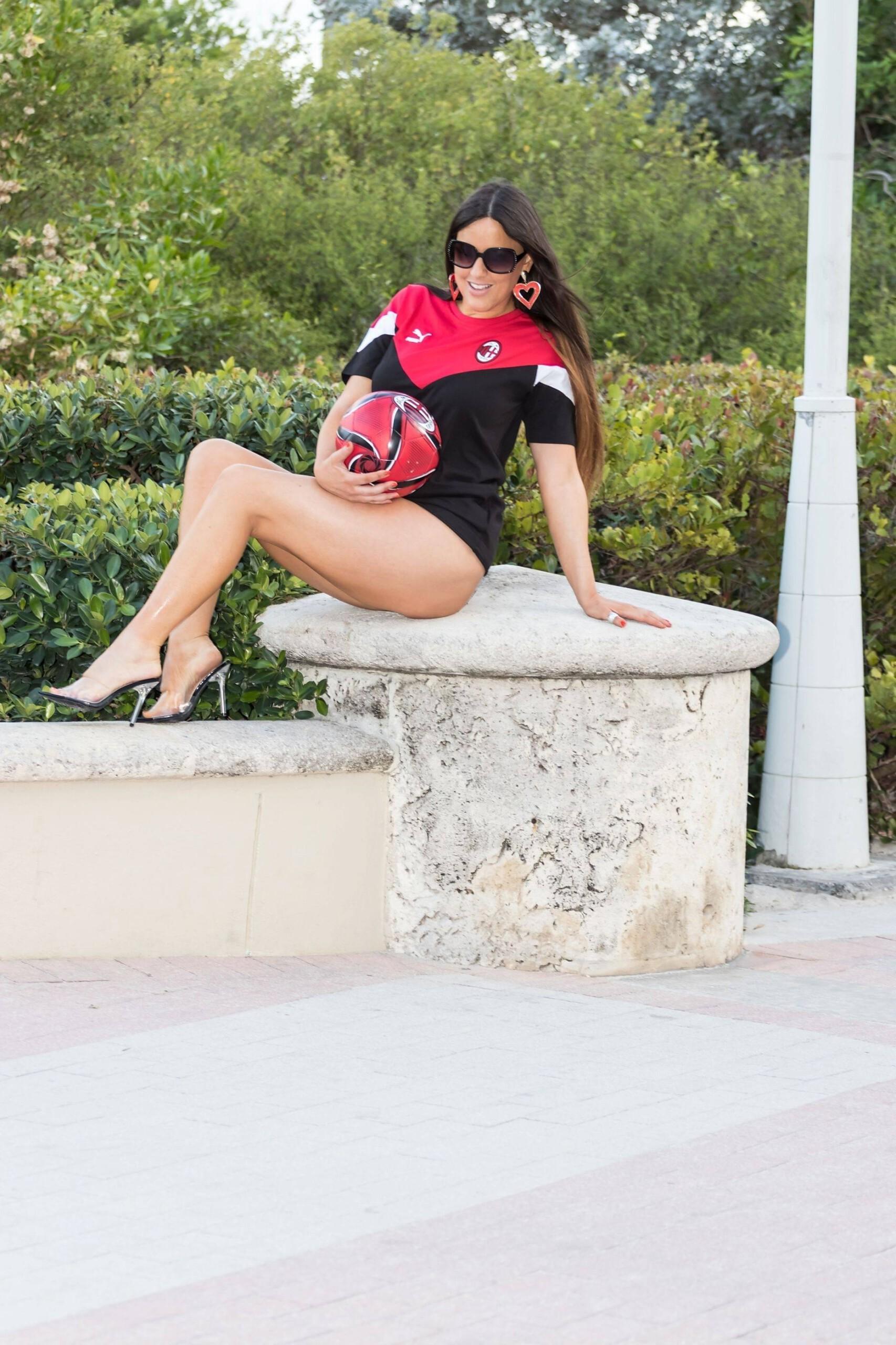 Claudia Romani – Big Sexy Ass In Thong Bikini Photoshoot In Miami 0013