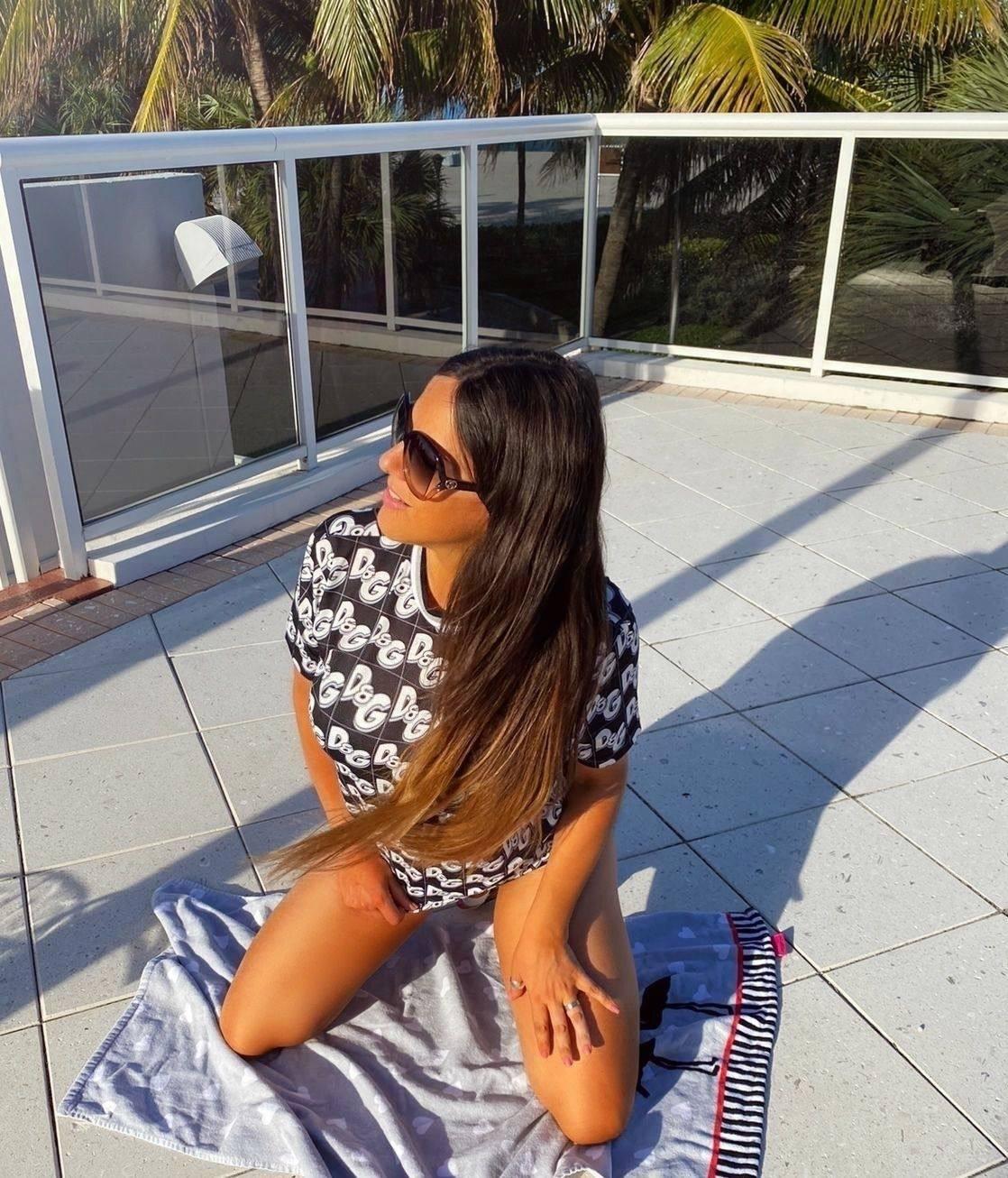 Claudia Romani – Sexy Body In Tiny Black Bikini 0008