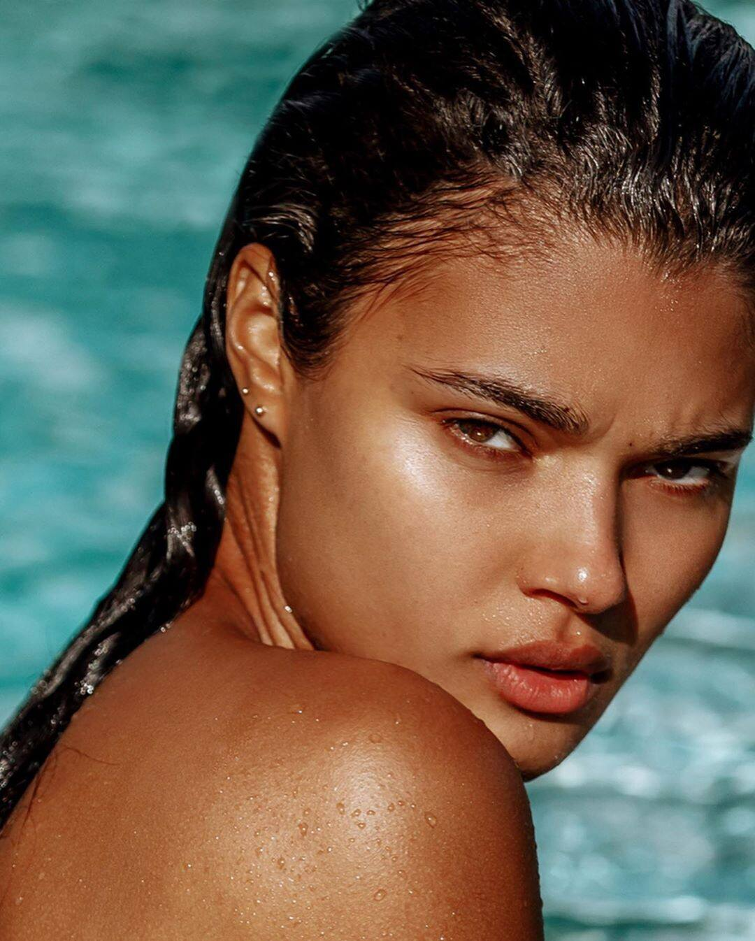 Daniela Braga – Hot Body In Sexy Instagram Pics 0003