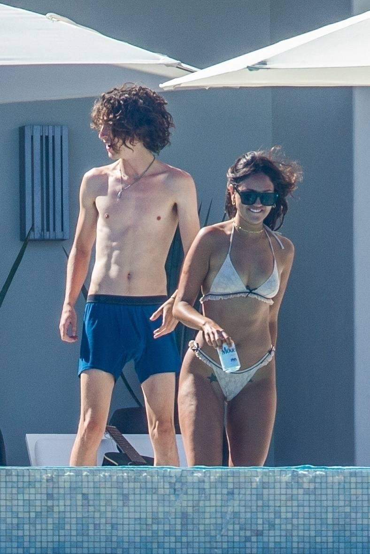 Eiza Gonzalez – Sexy In Bikini By Pool In Cabo San Lucas 0009