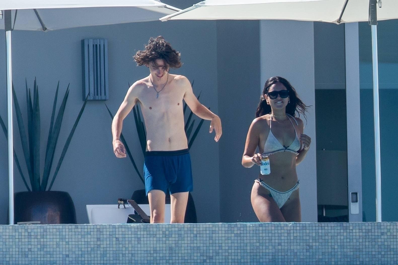 Eiza Gonzalez – Sexy In Bikini By Pool In Cabo San Lucas 0010