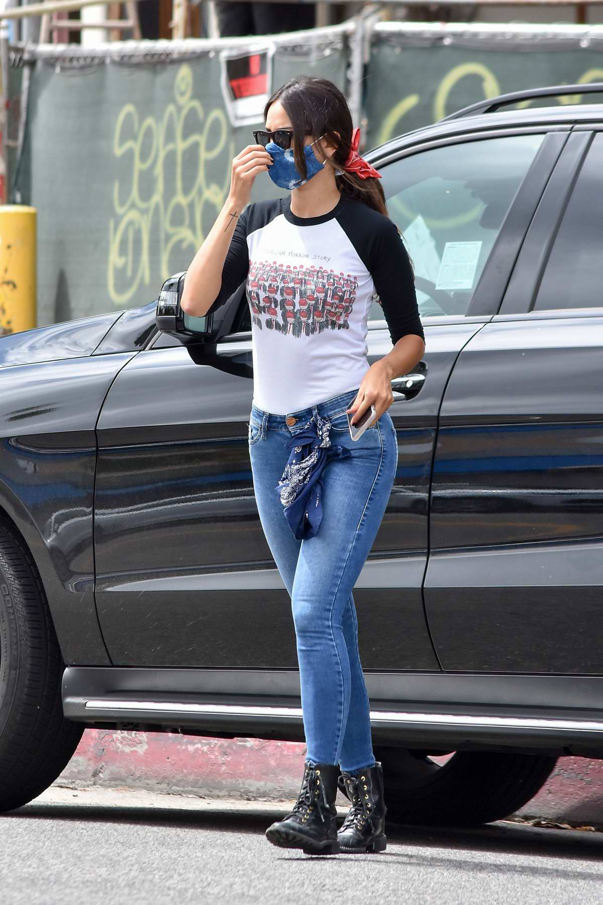 Eiza Gonzalez – Sexy In Tight Jeans Out In Los Angeles 0020