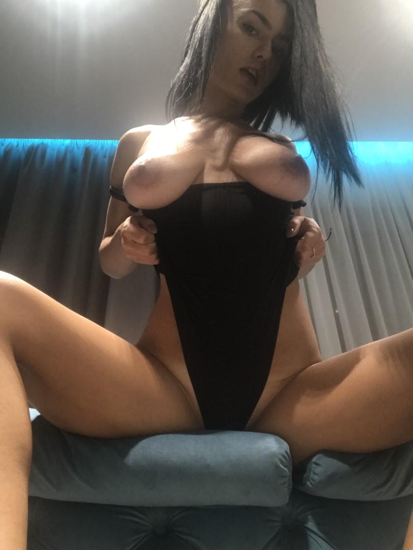 Emmazing Onlyfans Leaked Nude Emmakuzi Photos 17