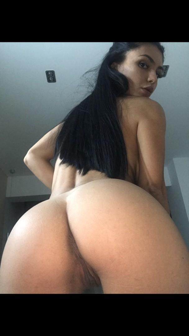 Emmazing Onlyfans Leaked Nude Emmakuzi Photos 1x