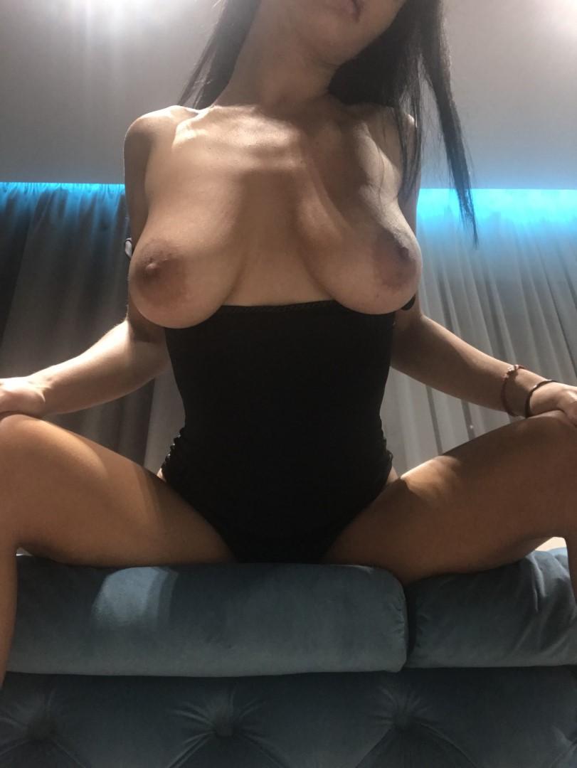 Emmazing Onlyfans Leaked Nude Emmakuzi Photos 22