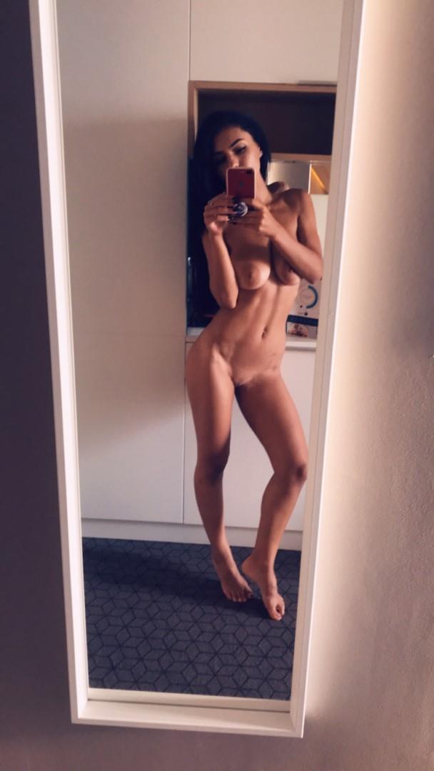 Emmazing Onlyfans Leaked Nude Emmakuzi Photos 29