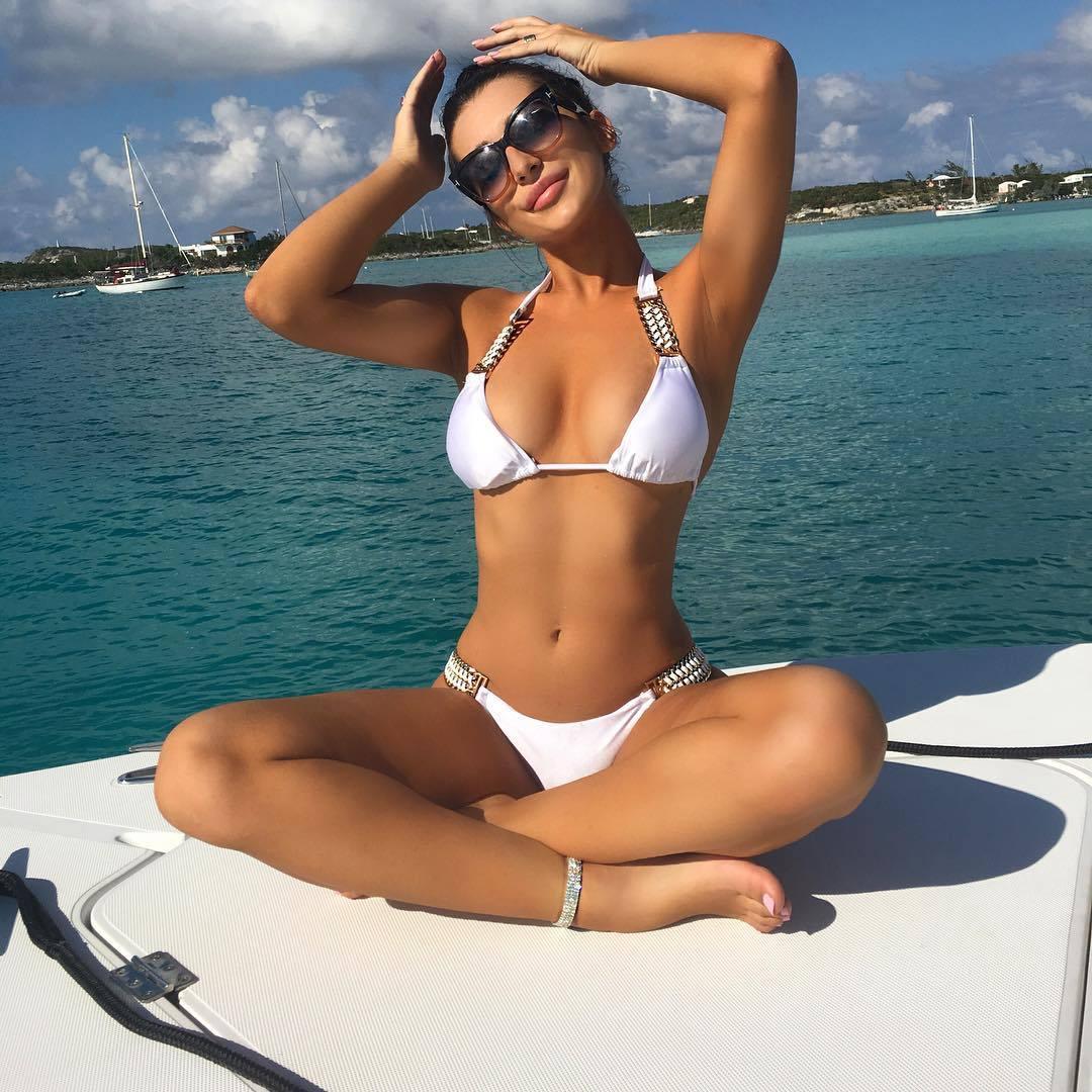 Erin Budina – Sexy Body In Racy Instagram Pics 0014