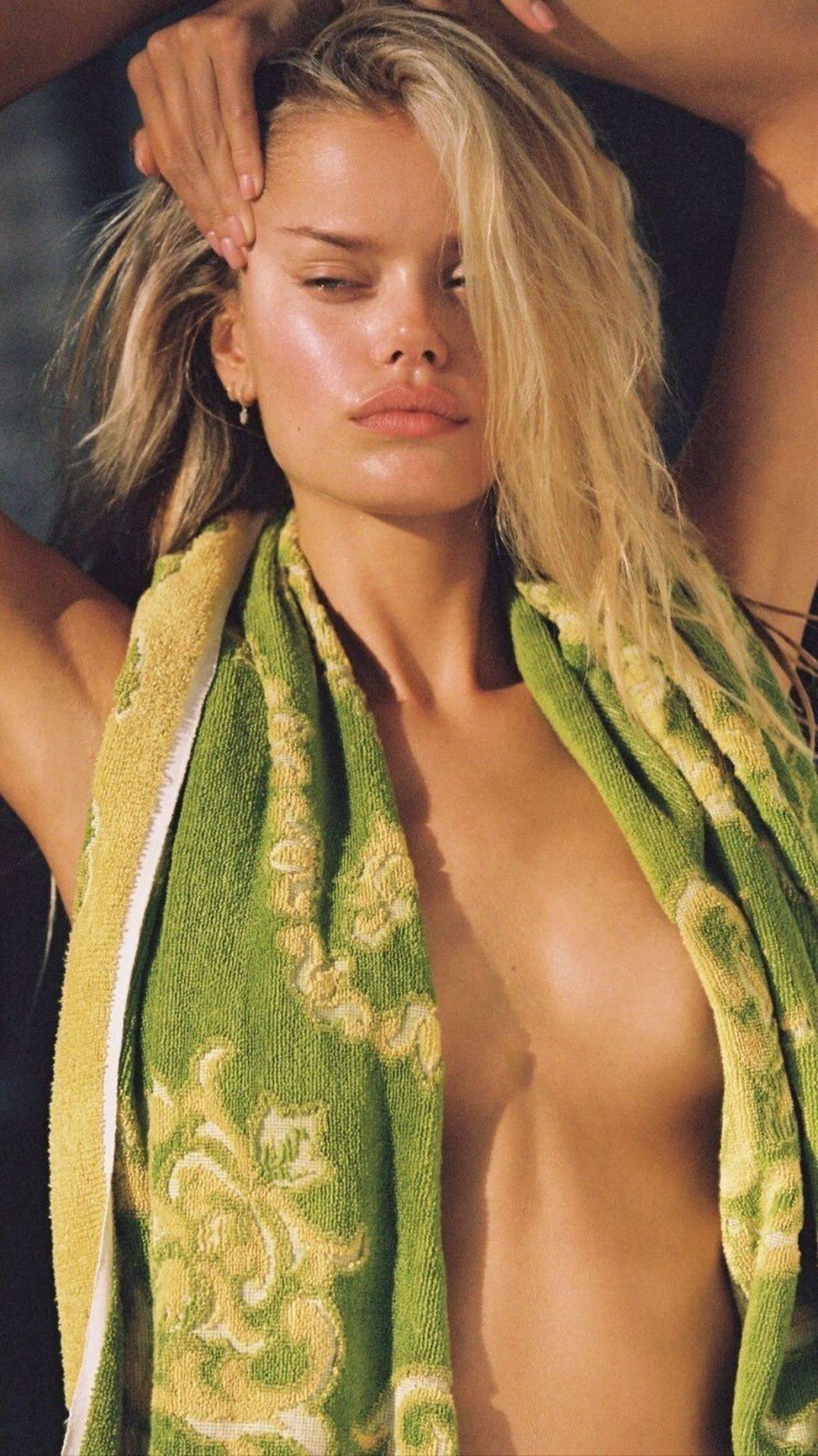 Frida Aasen – Sexy Boobs In Hot Braless Photoshoot 0003