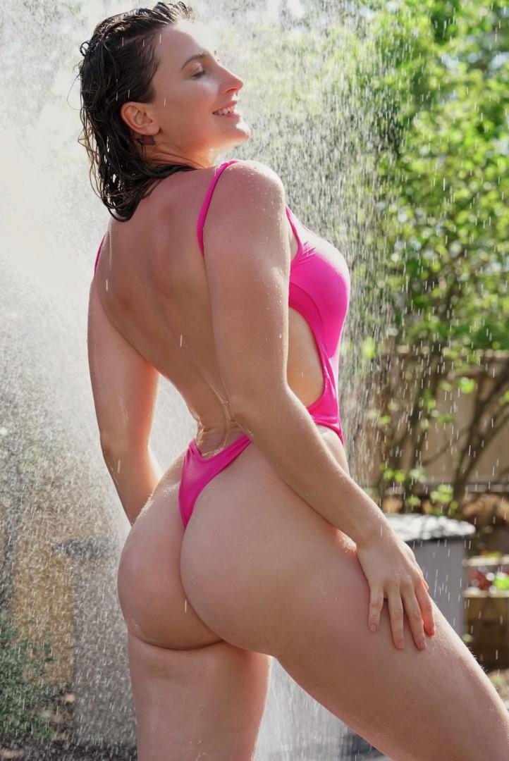 Holly Wolf Sunday Bikini 6