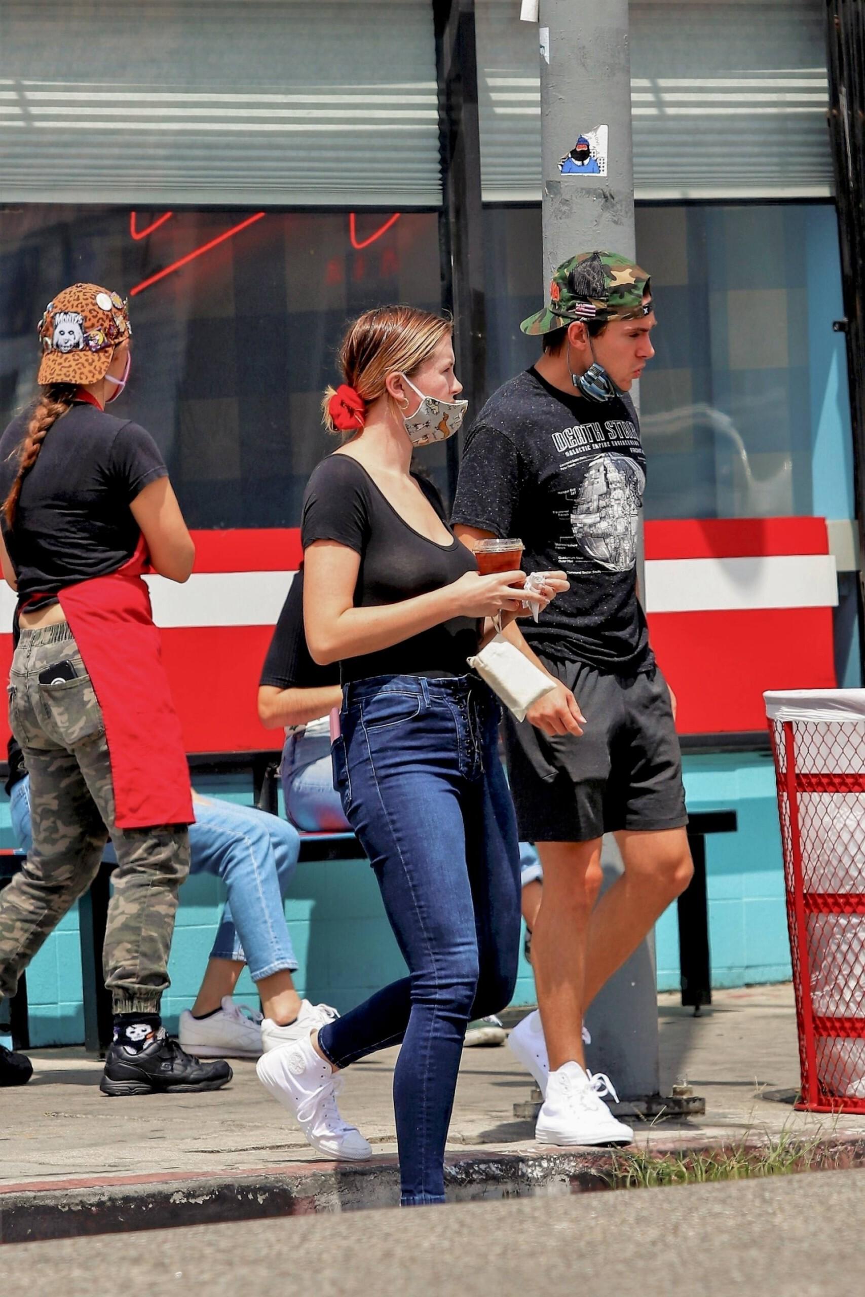 Ireland Baldwin – Big Braless Boobs At Monty's Good Burger In Los Angeles 0015
