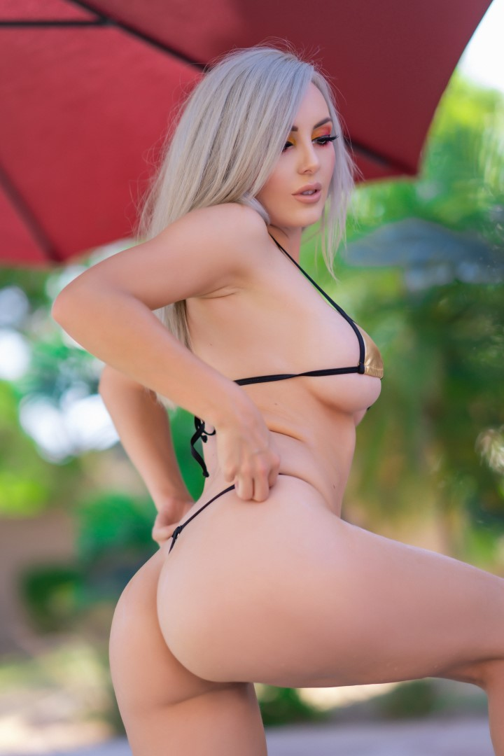Jessica Nigri Gold Micro Bikini 0009