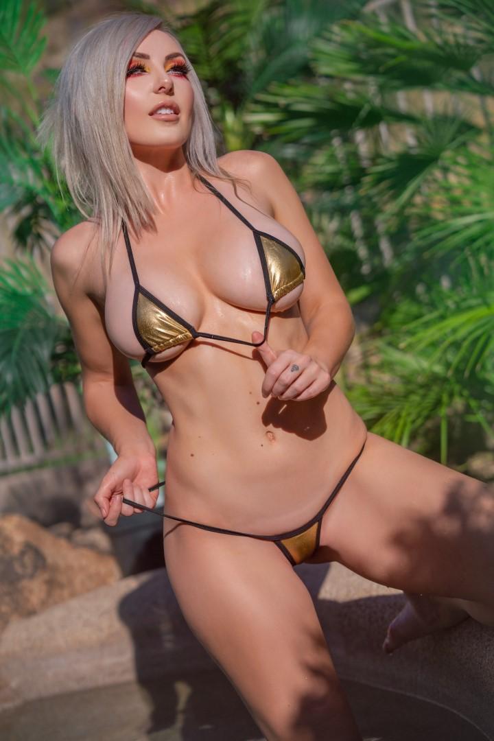 Jessica Nigri Gold Micro Bikini 0017