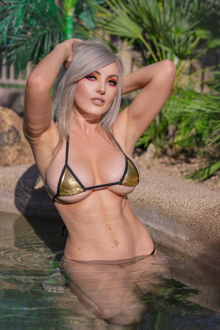 Jessica Nigri Gold Micro Bikini 0019