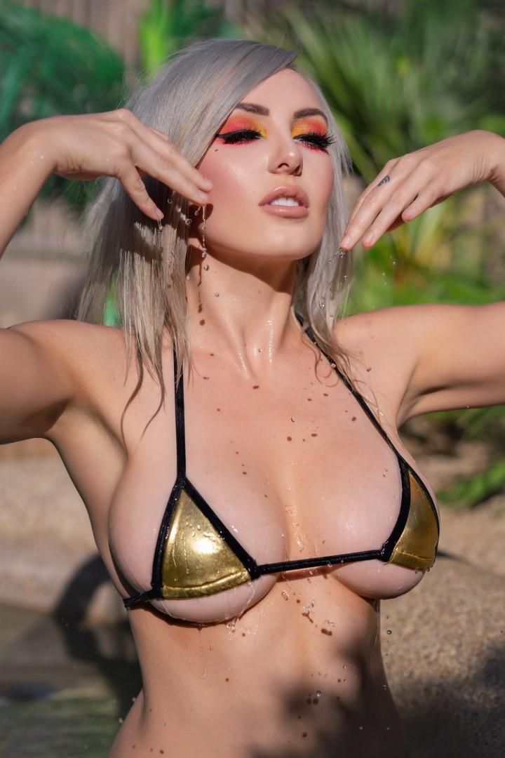 Jessica Nigri Gold Micro Bikini 0021