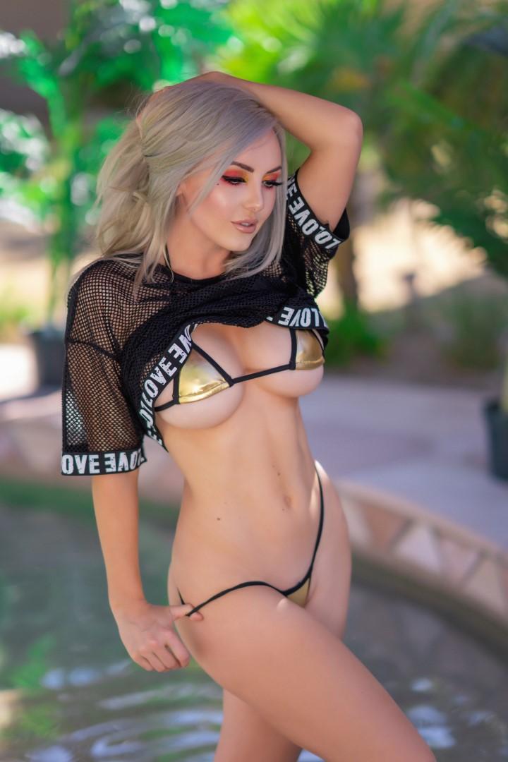 Jessica Nigri Gold Micro Bikini 0022