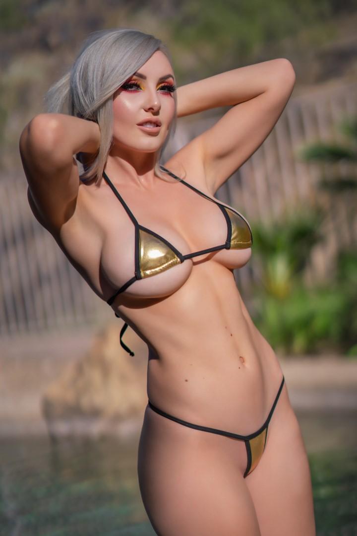 Jessica Nigri Gold Micro Bikini 0025