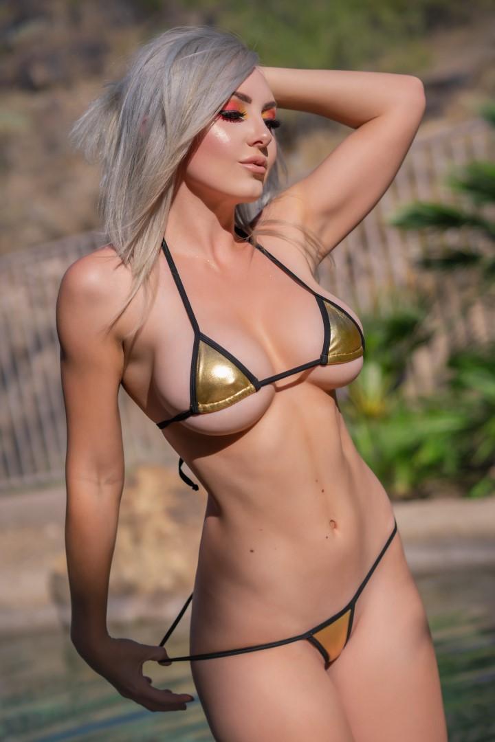 Jessica Nigri Gold Micro Bikini 0026