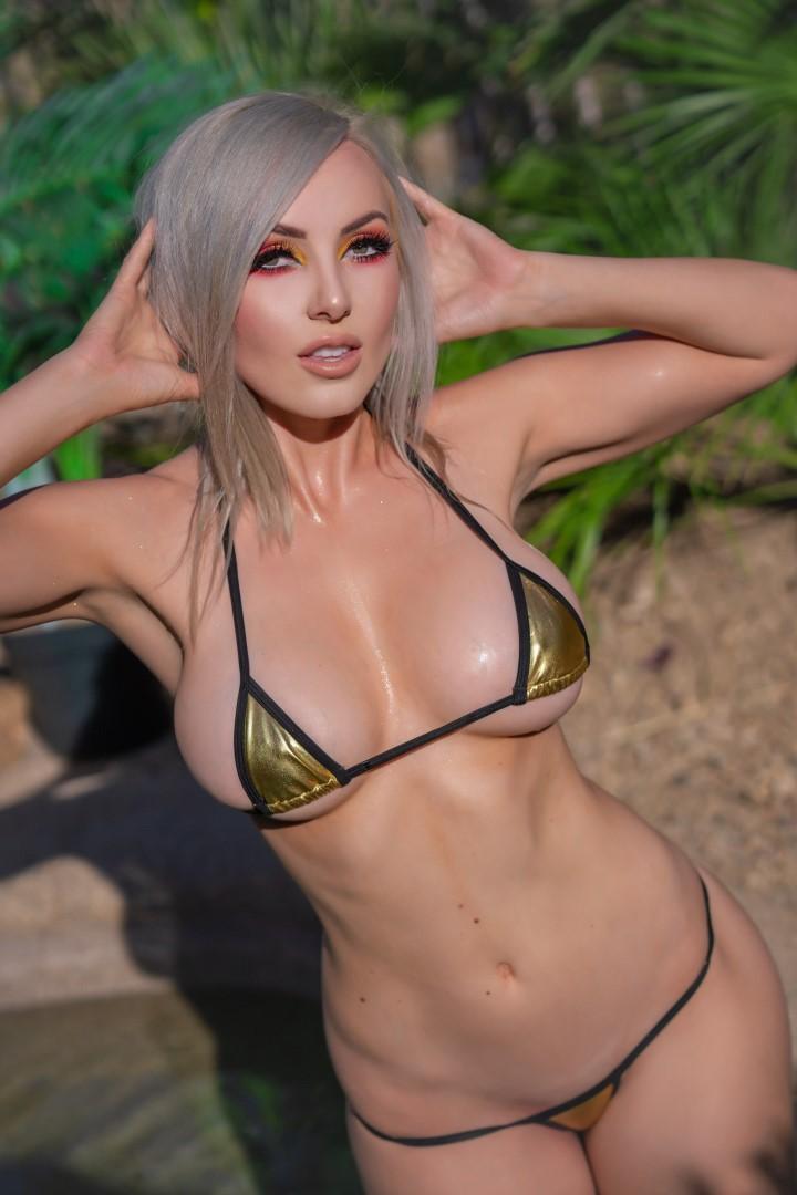 Jessica Nigri Gold Micro Bikini 0028