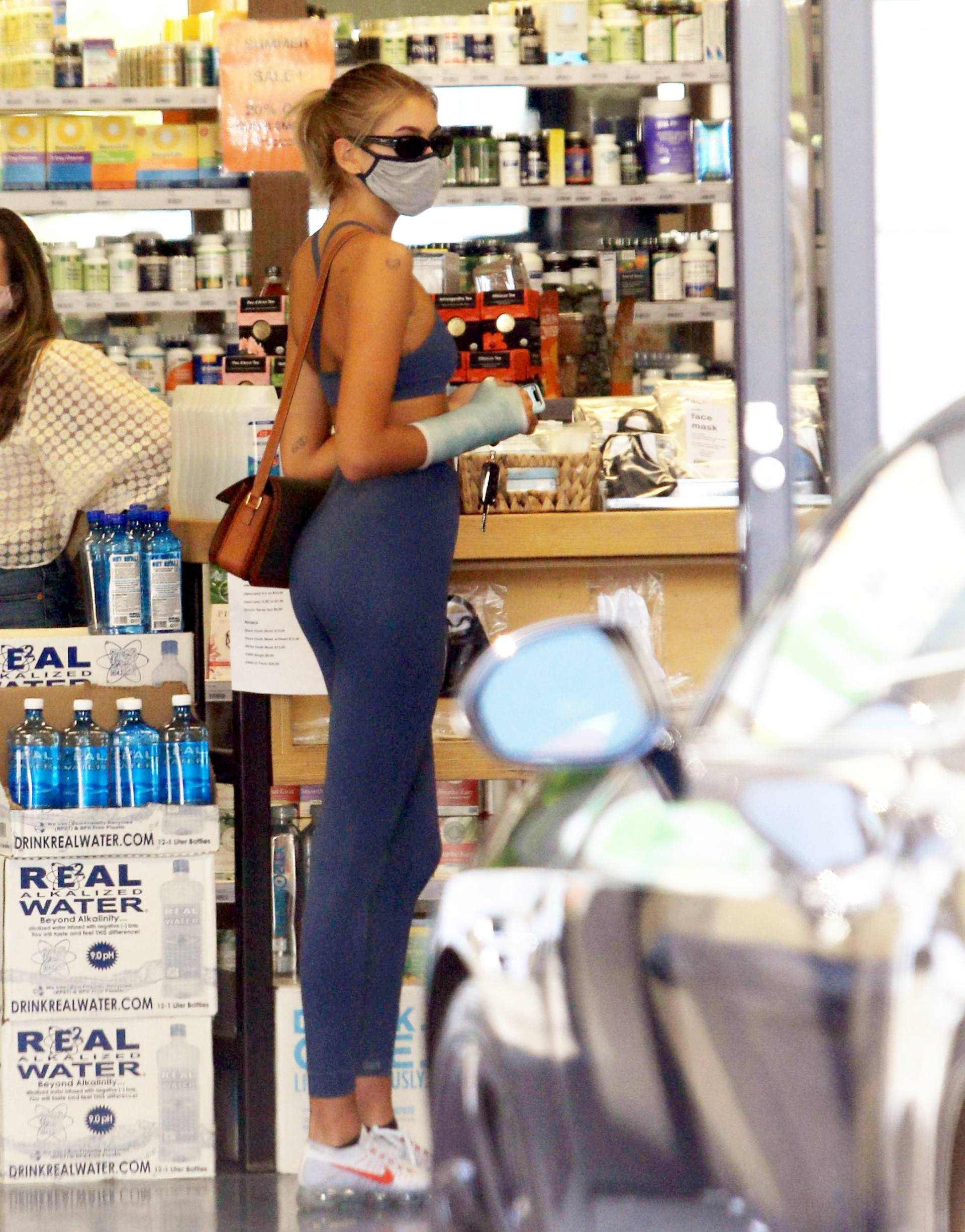 Kaia Gerber – Sexy Ass In Tight Blue Leggings Out In Los Angeles 0021