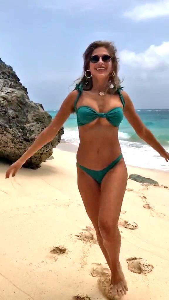 Kara Del Toro – Hot Body In Small Bikini On The Beach (tiktok Video) 0004