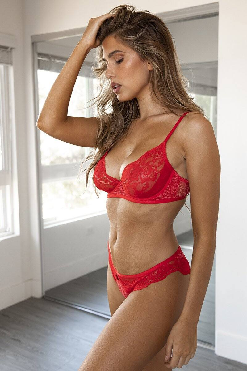 Kara Del Toro – Spectacular Boobs And Ass For Lounge Underwear Photoshoot 0020
