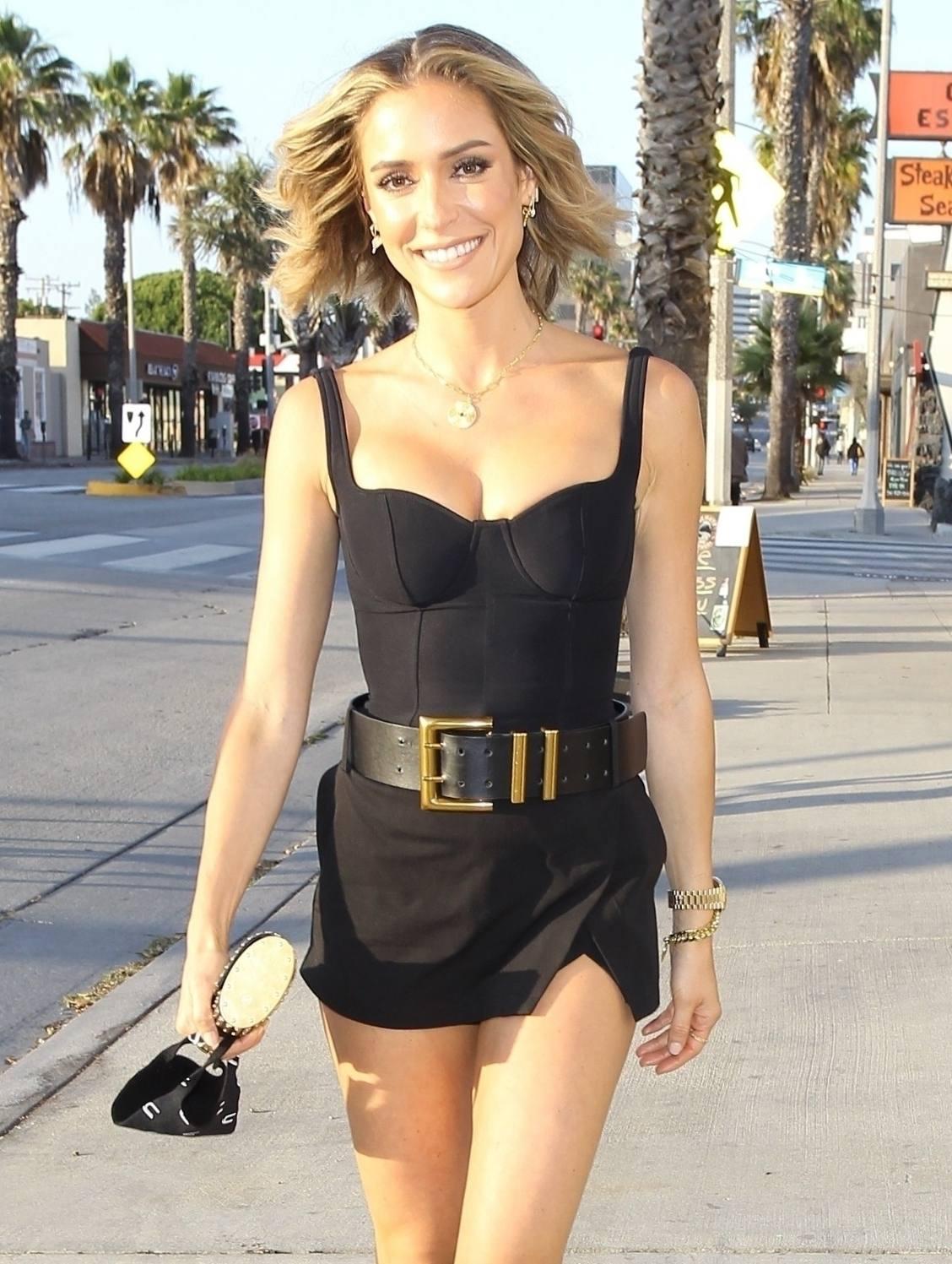 Kristin Cavallari – Sexy Legs And Beautiful Cleavage At Fia In Santa Monica 0003