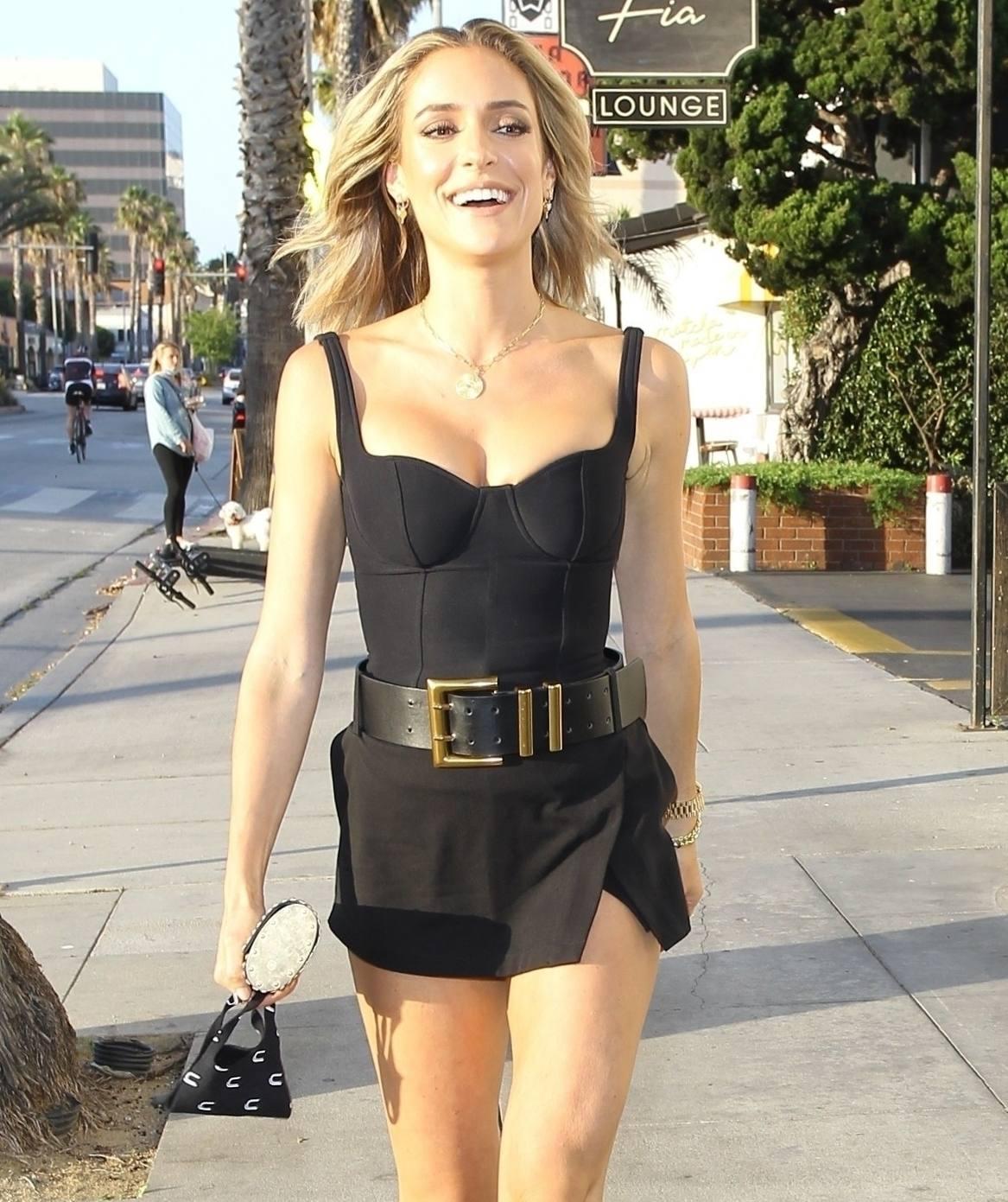 Kristin Cavallari – Sexy Legs And Beautiful Cleavage At Fia In Santa Monica 0005