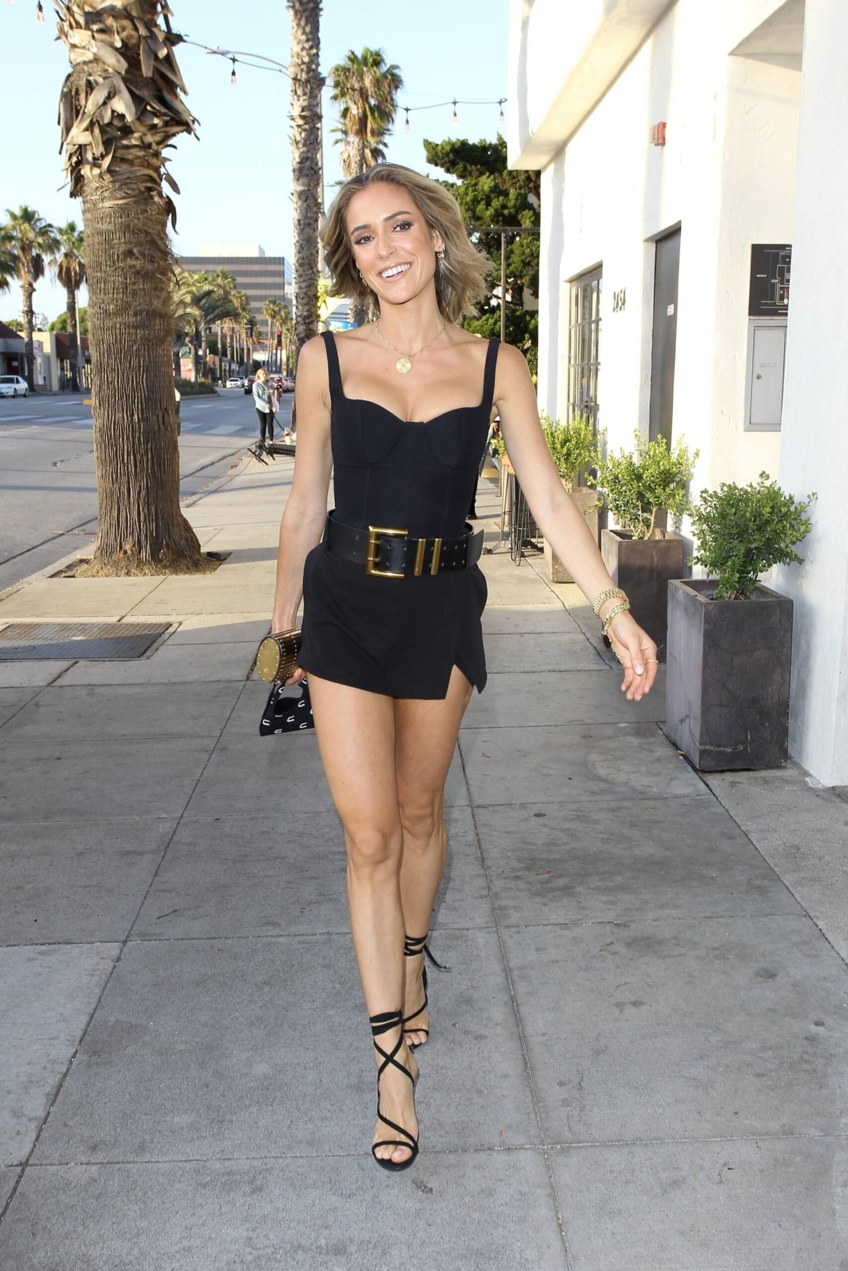 Kristin Cavallari – Sexy Legs And Beautiful Cleavage At Fia In Santa Monica 0008