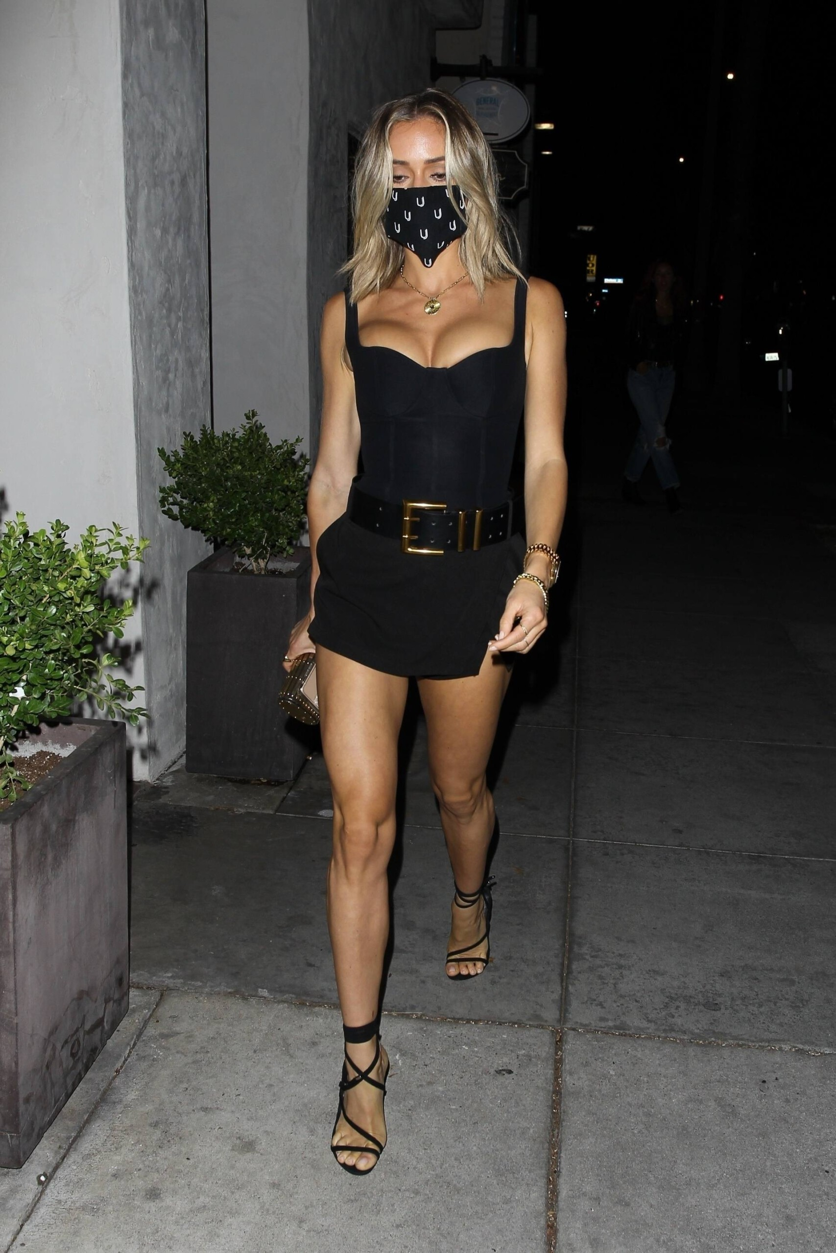 Kristin Cavallari – Sexy Legs And Beautiful Cleavage At Fia In Santa Monica 0019