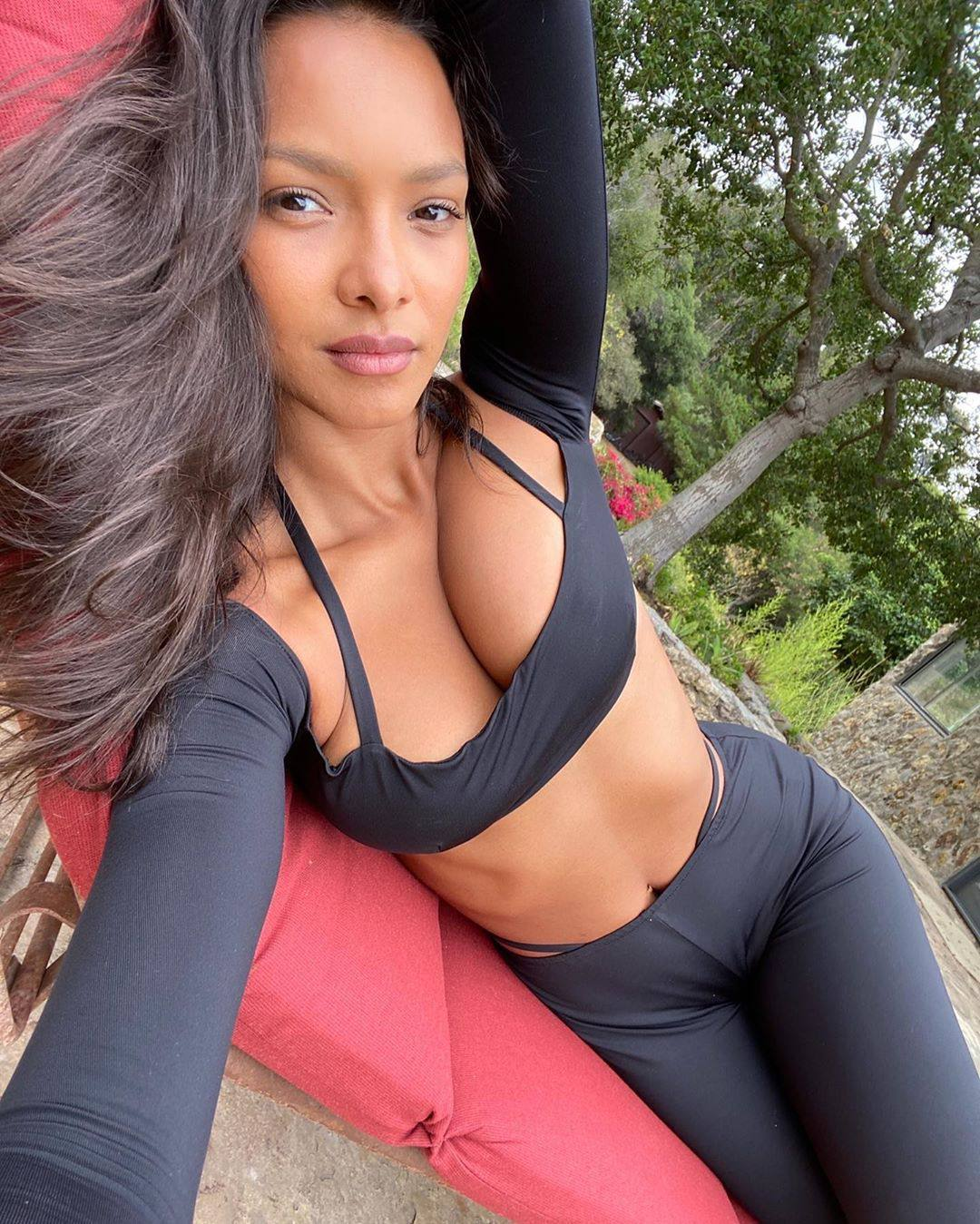 Lais Ribeiro – Hot Body In Sexy Photoshoot For Laquan Smith X Revolve Collection 0004