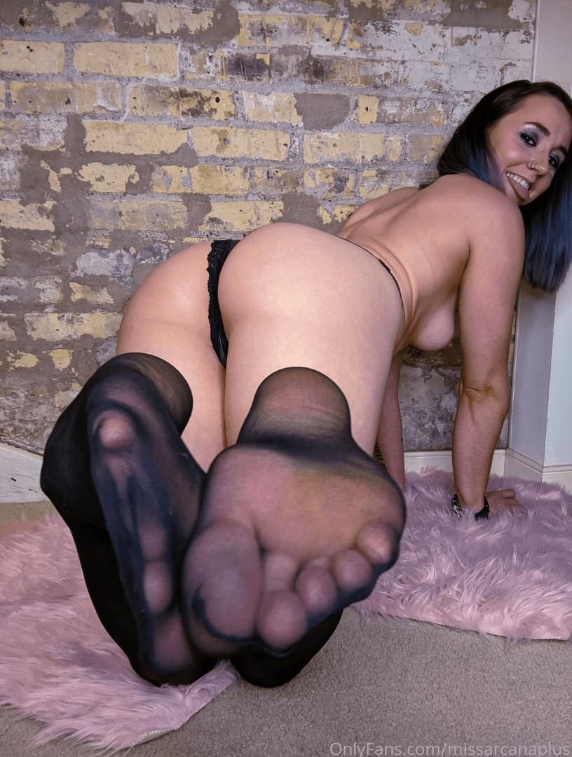 Missarcana Onlyfans Nude Feet Fetish Video 0057