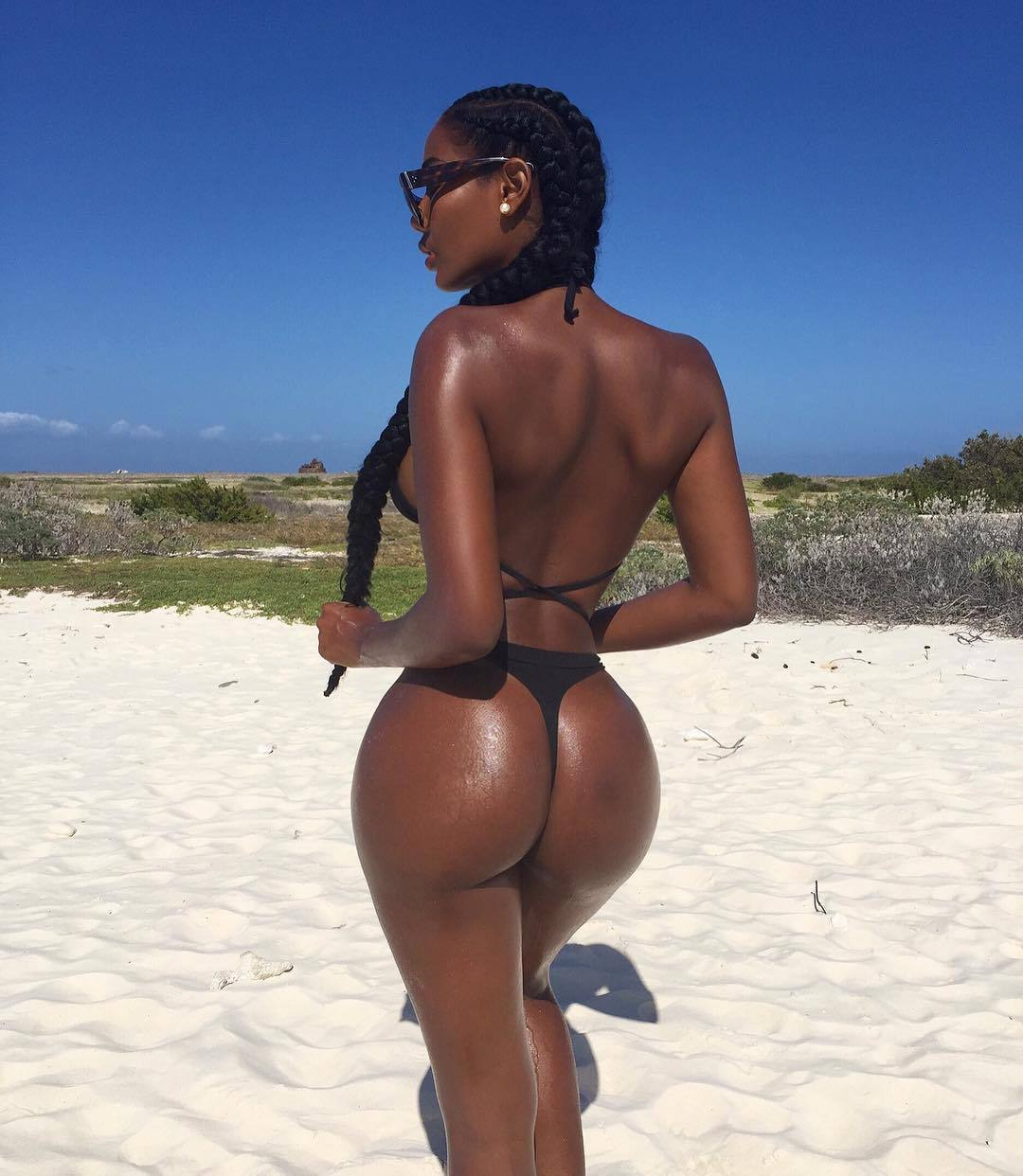 Monifa Jansen – Beautiful Boobs And Ass In Hot Instagram Pictures 0016