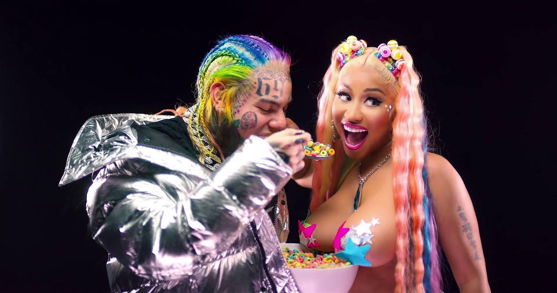 "Nicki Minaj – Huge Sexy Boobs And Ass In ""trollz"" Music Video 0003"