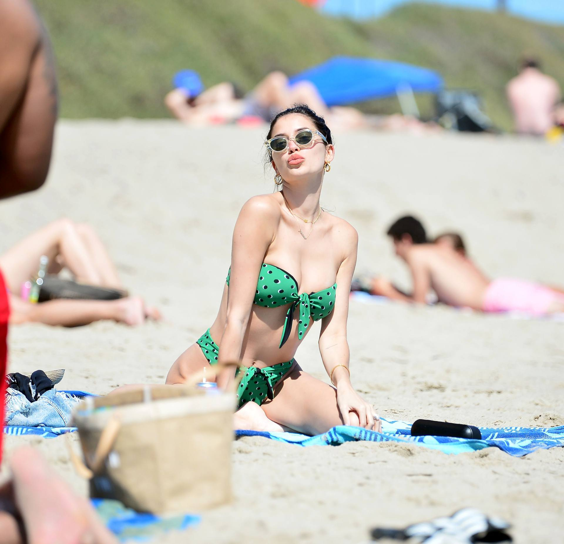 Nicole Williams – Fantastic Body In Skimpy Bikini At The Beach In Malibu 0008