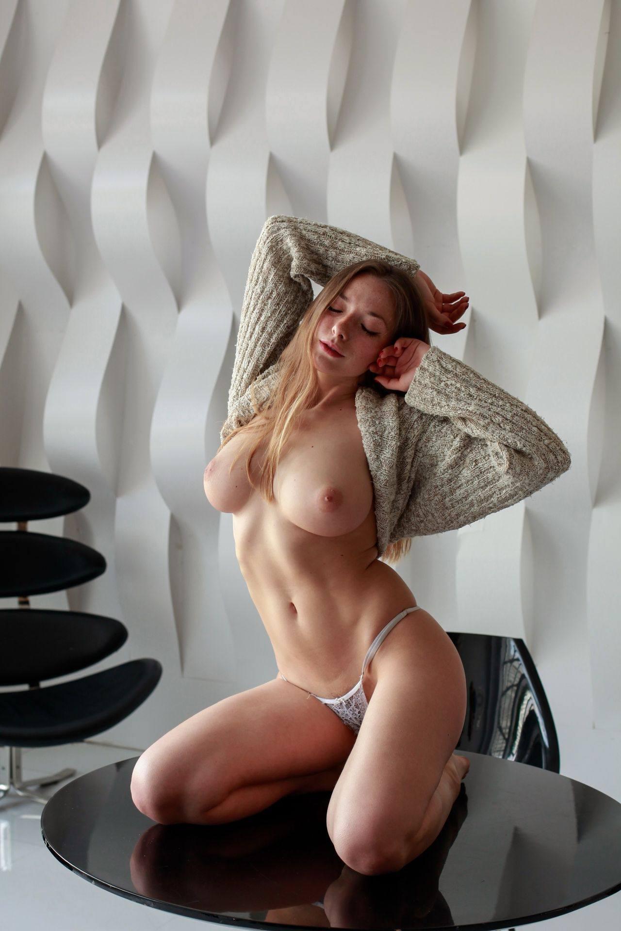 Olga Kobzar – Beautiful Boobs In Sexy Topless Photoshoot (nsfw) 0008