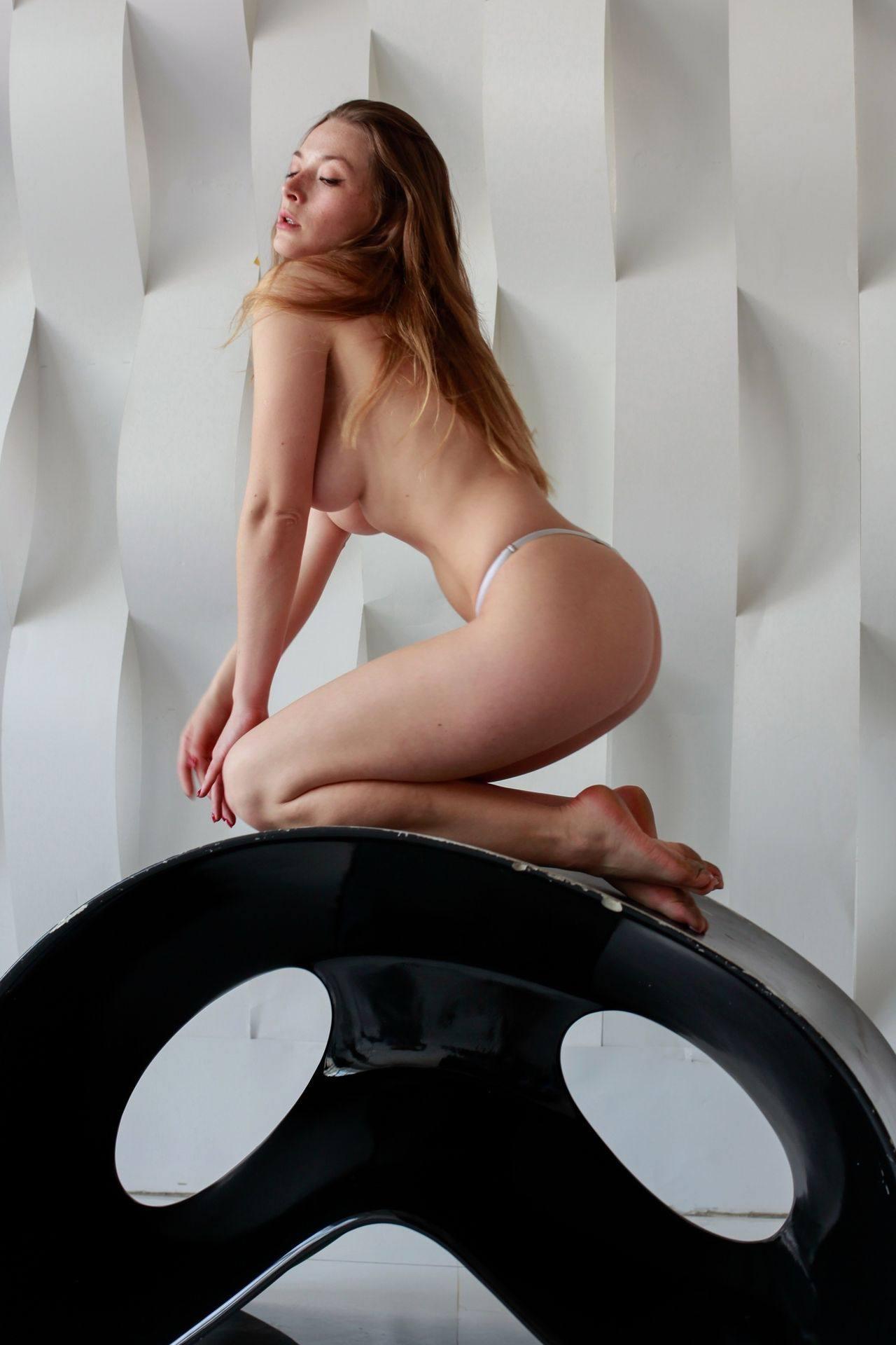 Olga Kobzar – Beautiful Boobs In Sexy Topless Photoshoot (nsfw) 0009