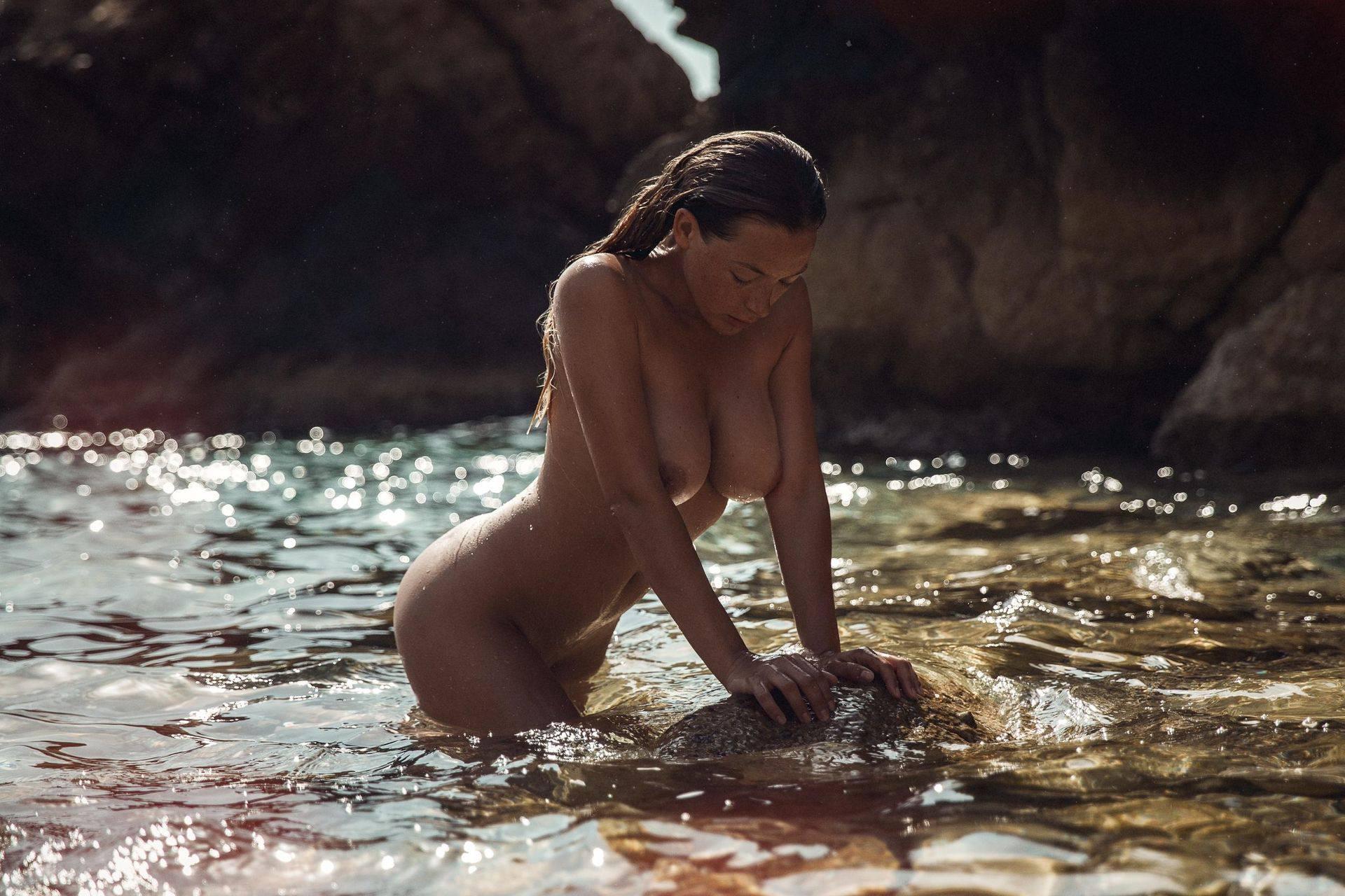 Olga Kobzar – Hot Big Boobs In Sexy Full Frontal Nude Photoshoot By Thomas Agatz (nsfw) 0010