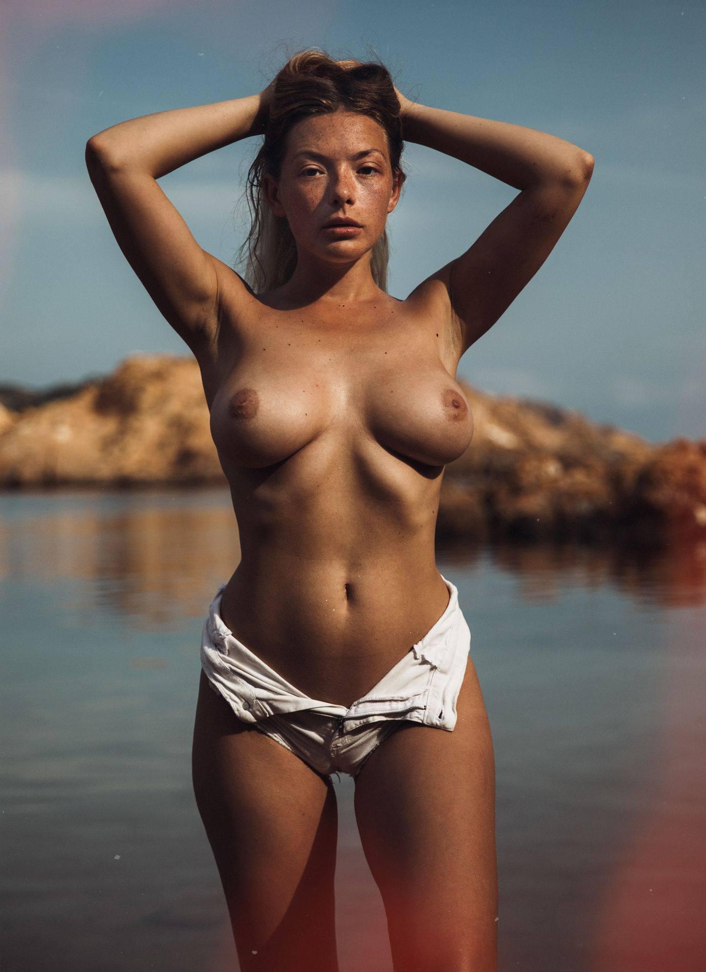Olga Kobzar – Hot Big Boobs In Sexy Full Frontal Nude Photoshoot By Thomas Agatz (nsfw) 0017