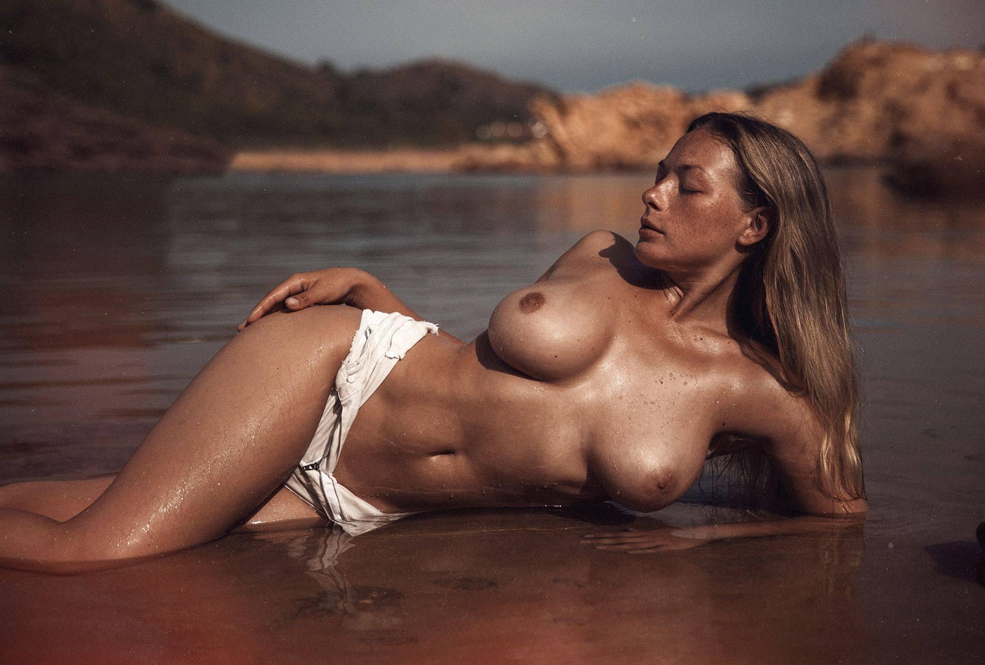 Olga Kobzar – Hot Big Boobs In Sexy Full Frontal Nude Photoshoot By Thomas Agatz (nsfw) 0018
